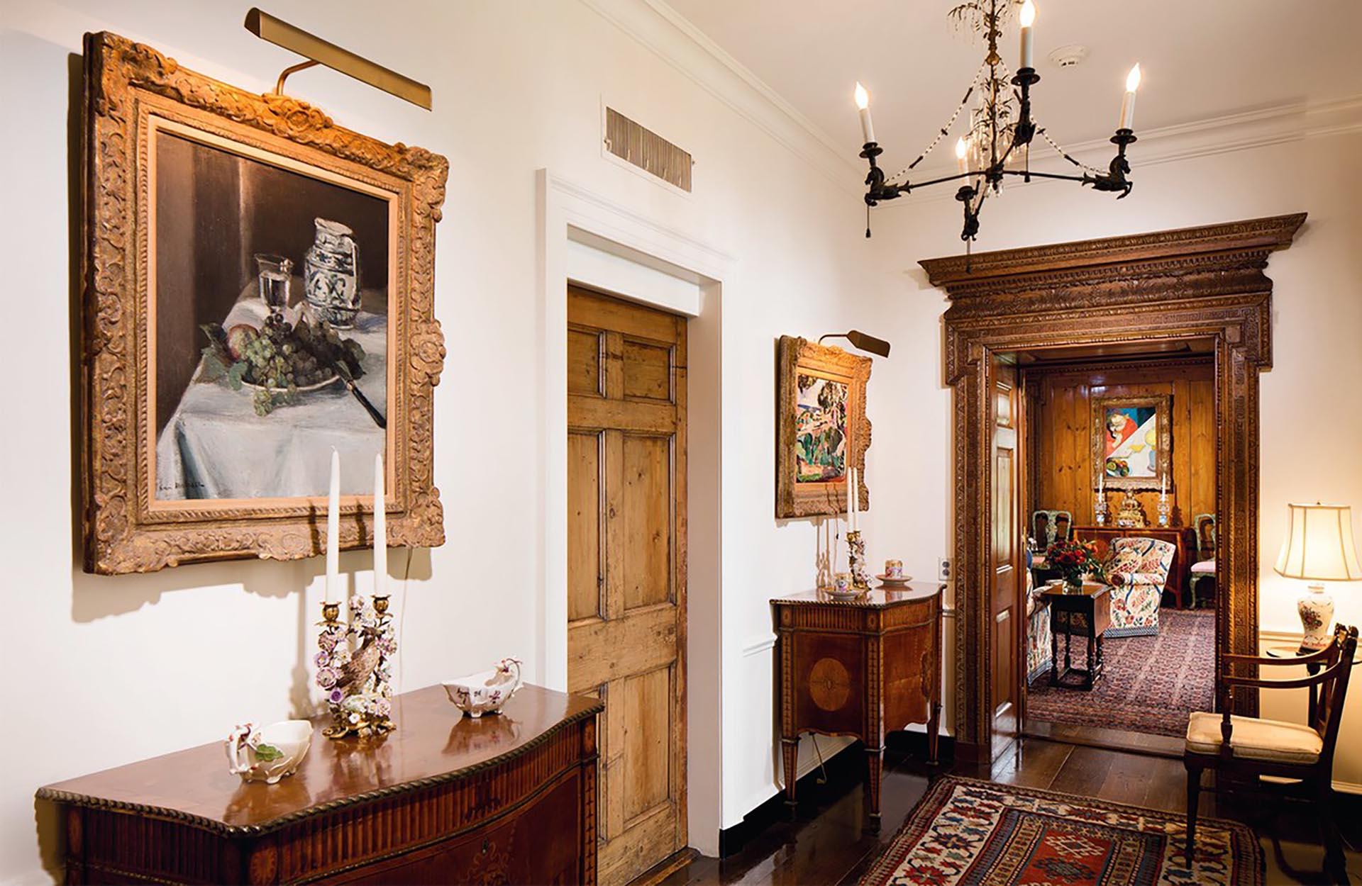 Las propiedades de la familia estaban abarrotadas de obras artísticas