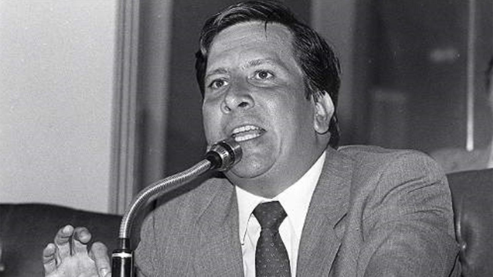 Rodrigo Lara Bonilla, ministro de Justicia asesinado por Pablo Escobar el 30 de abril de 1984.