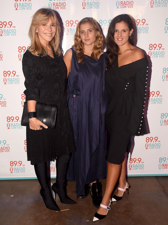Grace Ratto junto a sus hijas María Emilia y María Luz