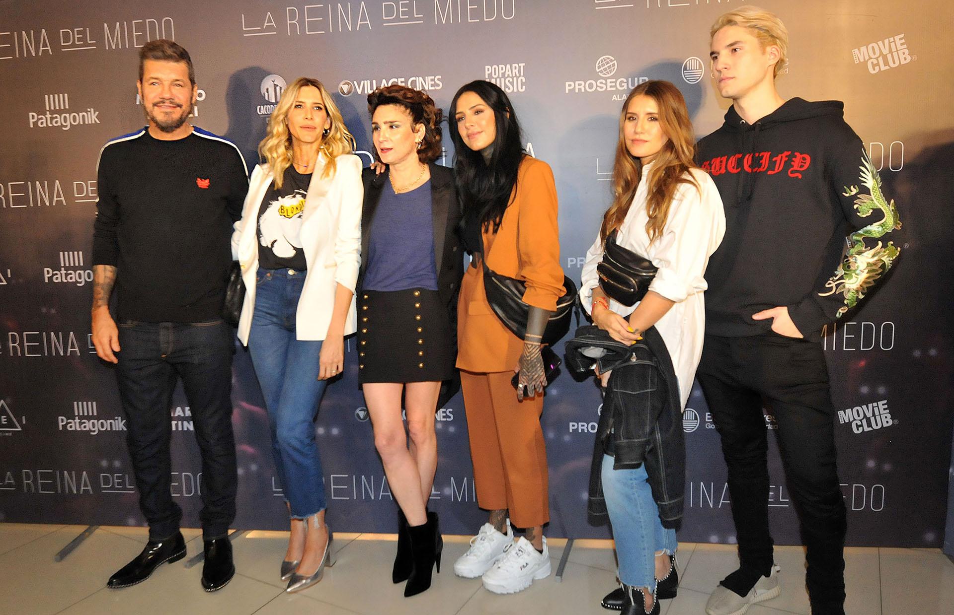 Guillermina Valdes, Valeria Bertuccelli, junto con Marcelo Tinelli y sus hijos Candelaria, Micaela y Francisco (Verónica Guerman / Teleshow)