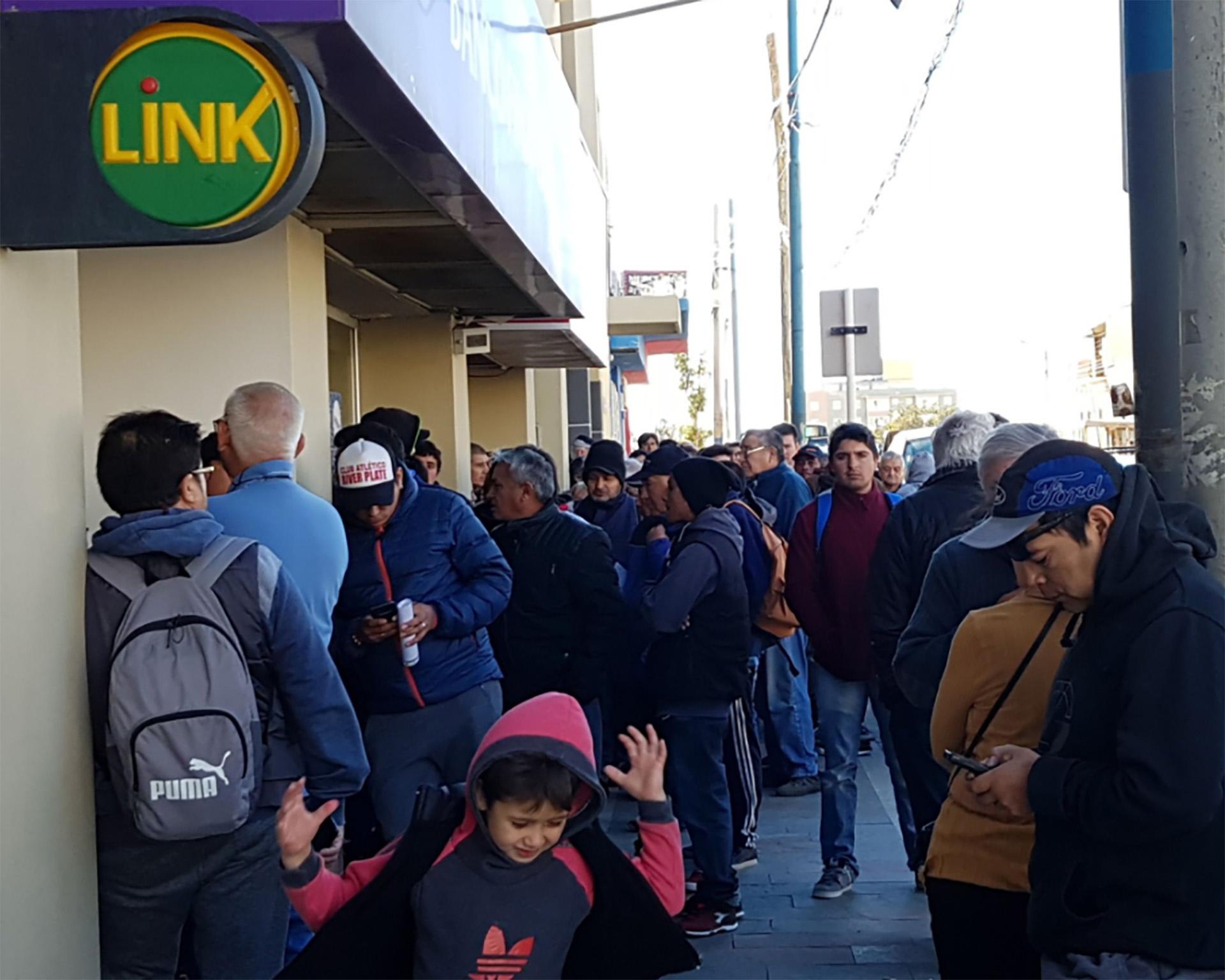 La justicia dispuso la quiebra del banco de crist bal for Sucursales de galicia