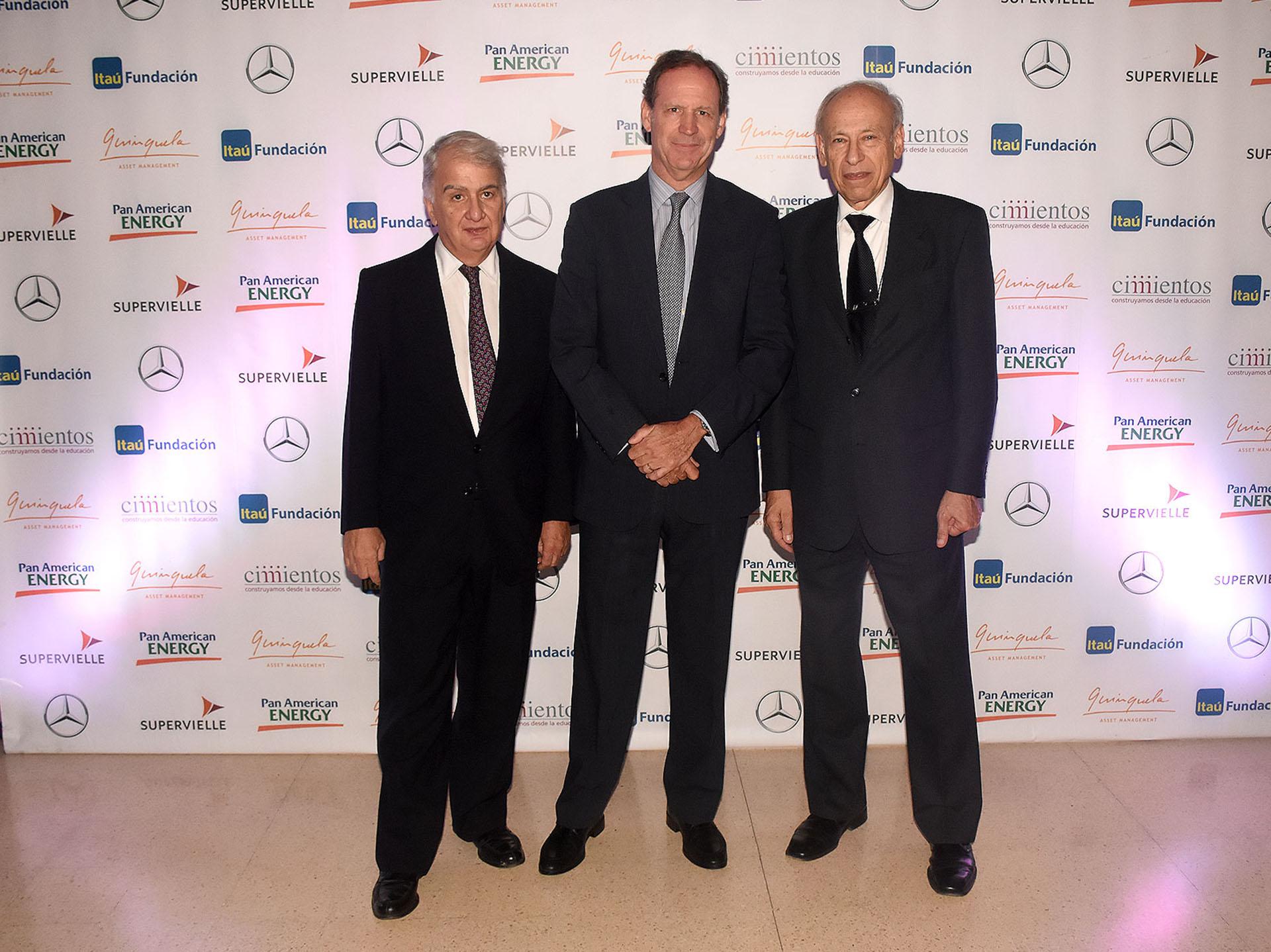 Eduardo Franck, Miguel Blaquier y el doctor Luis Ovsejevich, presidente de la Fundación Konex