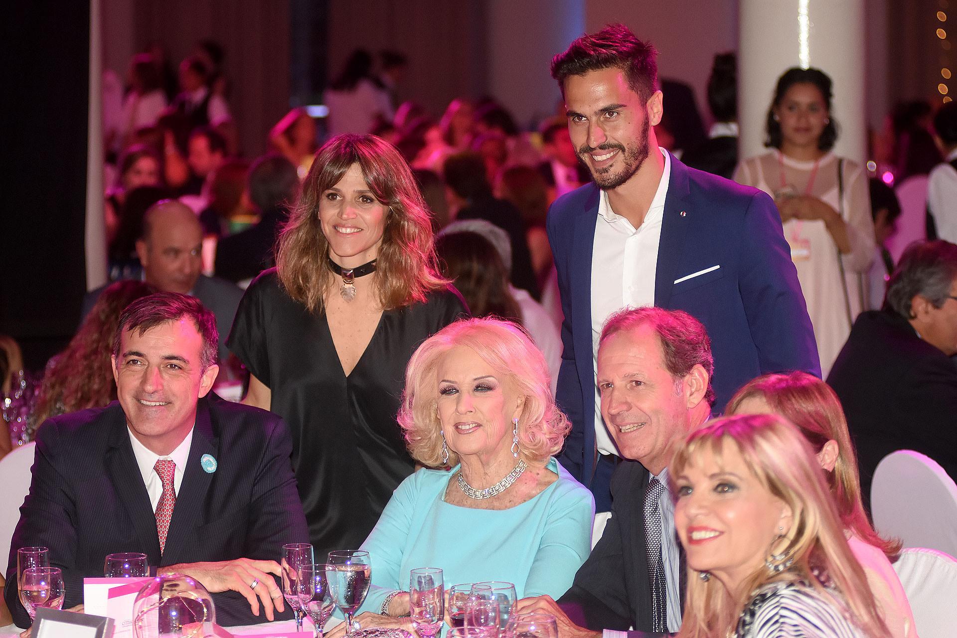 María Freytes, Juan Marconi, Esteban Bullrich, Mirtha Legrand, Miguel Blaquier y Teté Coustarot