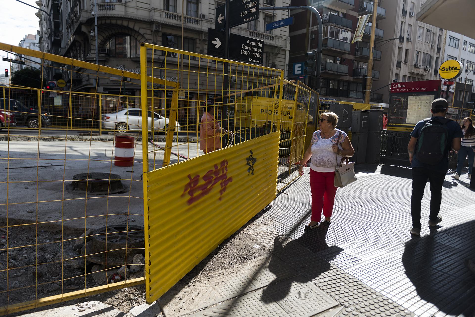Durante la franja horaria que rija la restricción, habrá dos carriles para peatones y otros dos para colectivos y taxis
