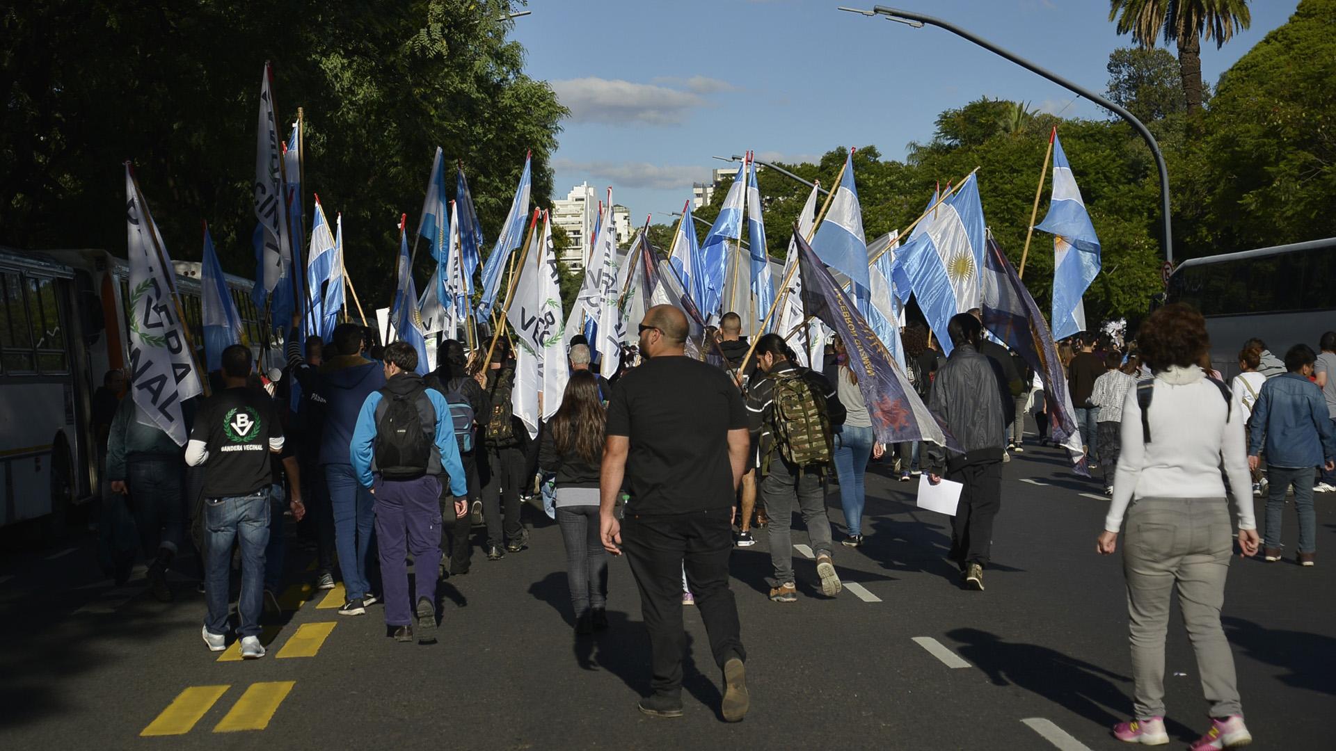 La columna de Bandera Vecinal, el partido de Alejandro Biondini que participó de la marcha
