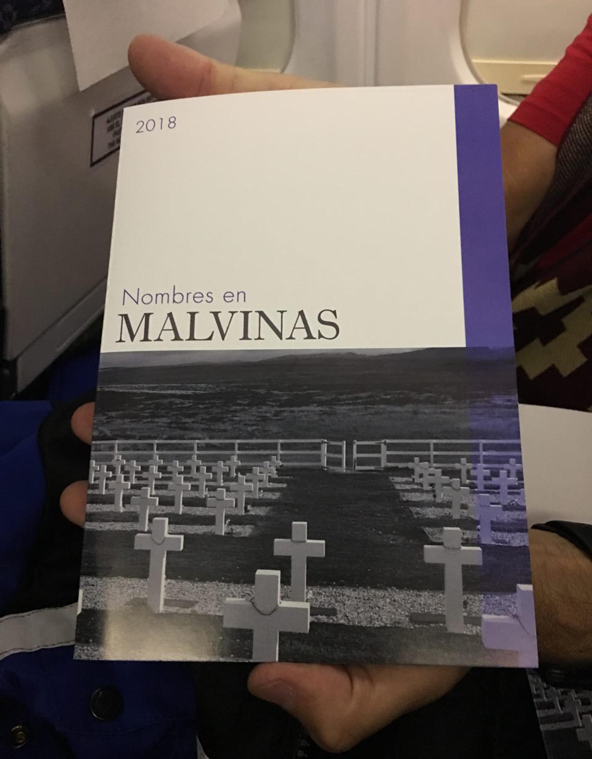 """""""Nombres en Malvinas"""", un folleto conmemorativo para los pasajeros"""