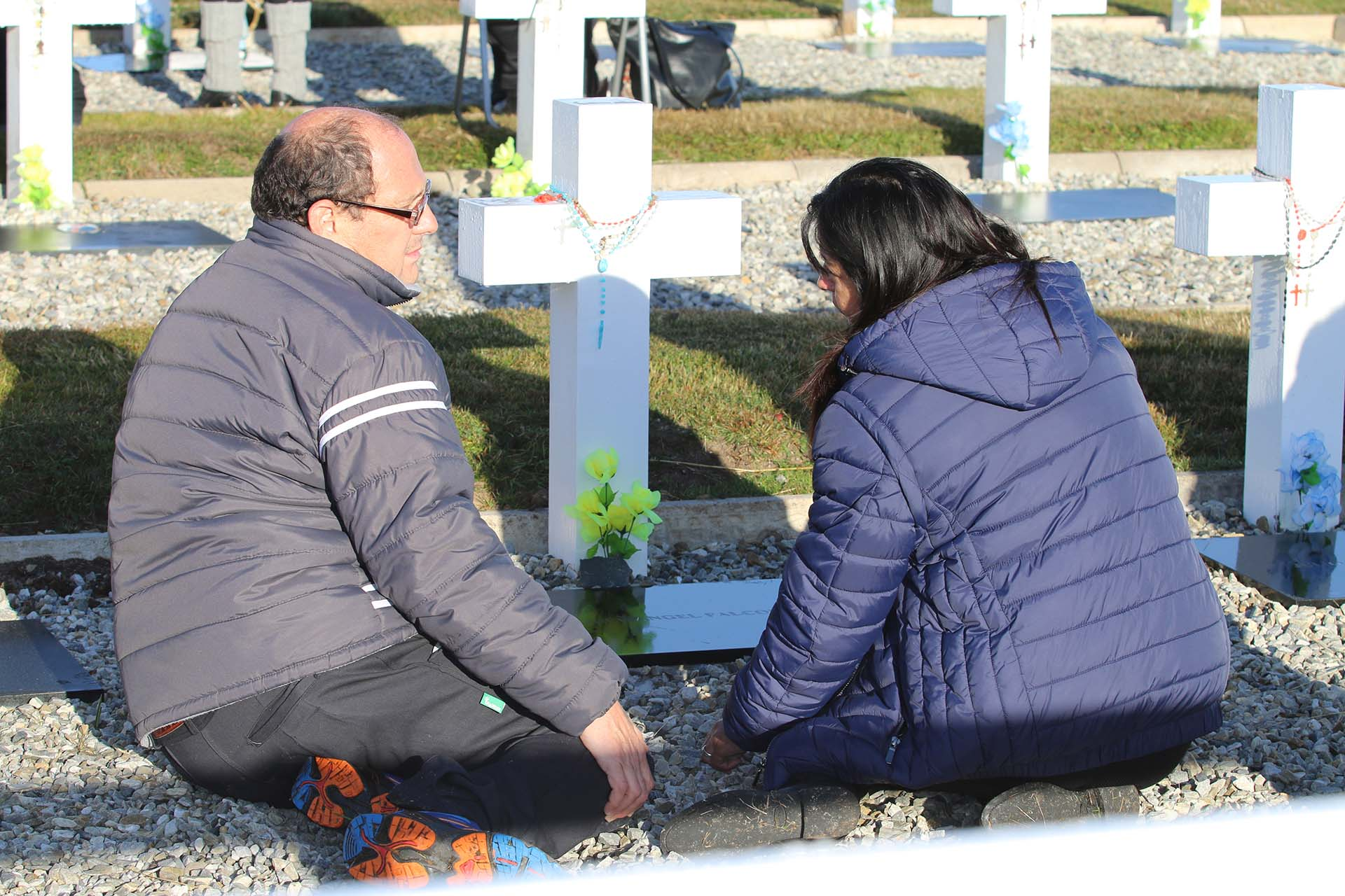 La familia de Miguel Ángel Falcón, nacido en Barranquera, Chaco, honra al héroe caídoel 12 de junio de 1982