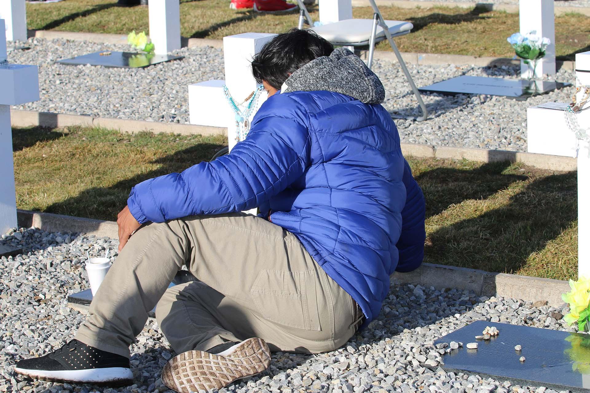 """Las 248 personas que llegaron a las islas lo hicieron en dos vuelos de Andes. El comandante de cada uno de los vuelos recibió a los pasajeros con un mensaje especial: """"Me siento honrado de llevarlos al destino de Malvinas en este viaje humanitario"""""""