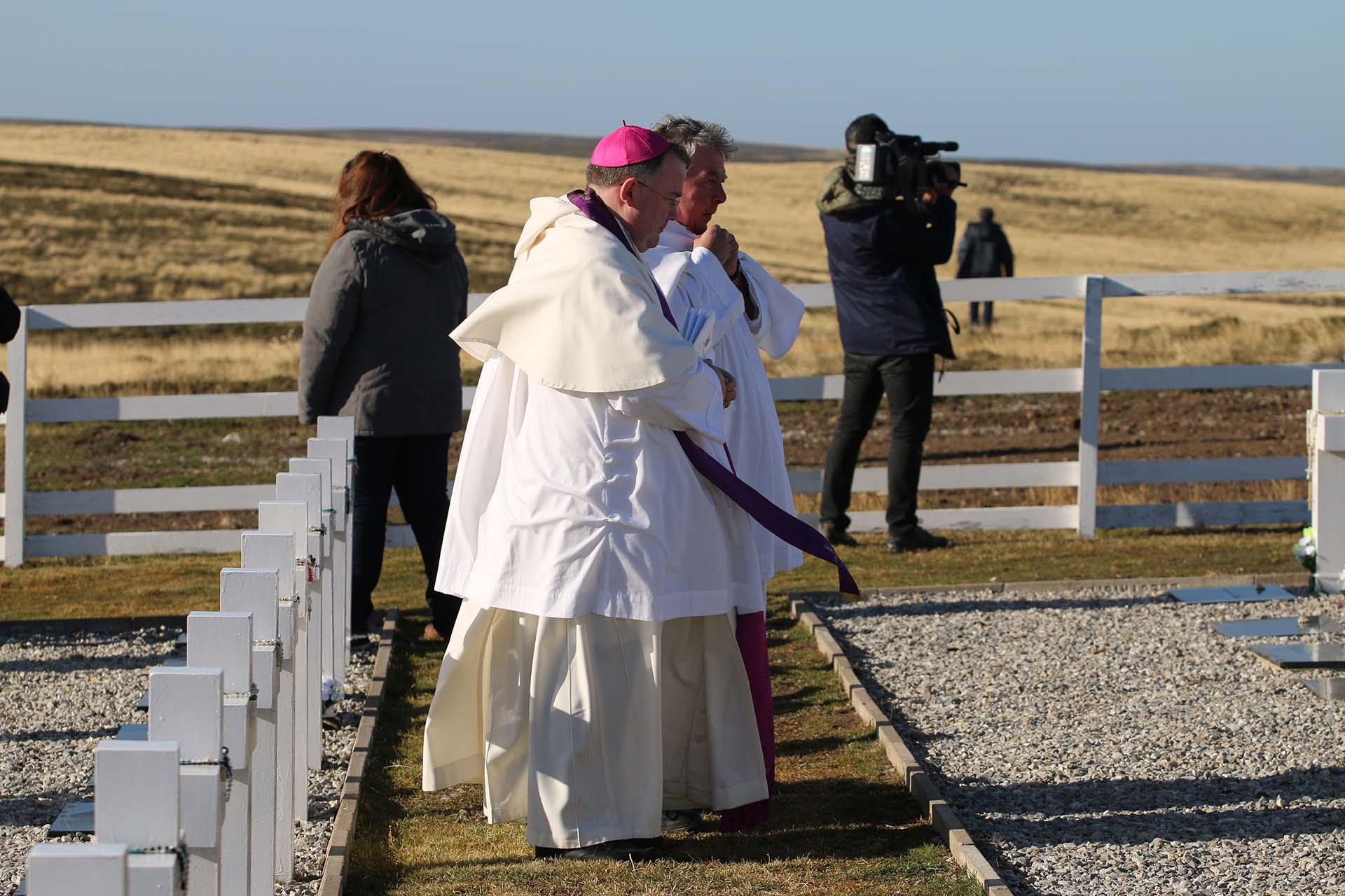 Durante la ceremonia religiosa se leyó la Liturgia de la Palabra (lectura del Santo Evangelio según San Juan, y se ofreció la comunión
