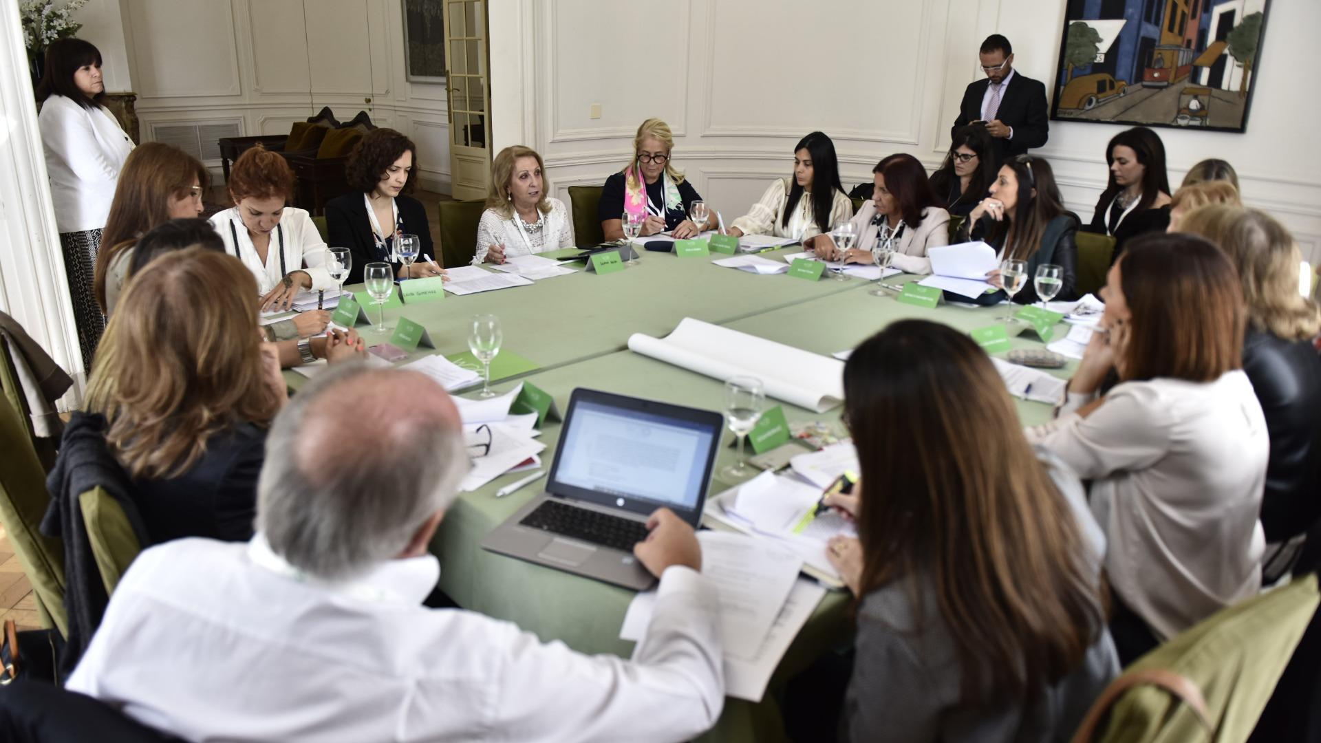 El debate en la Mesa de Mujres empresarias.