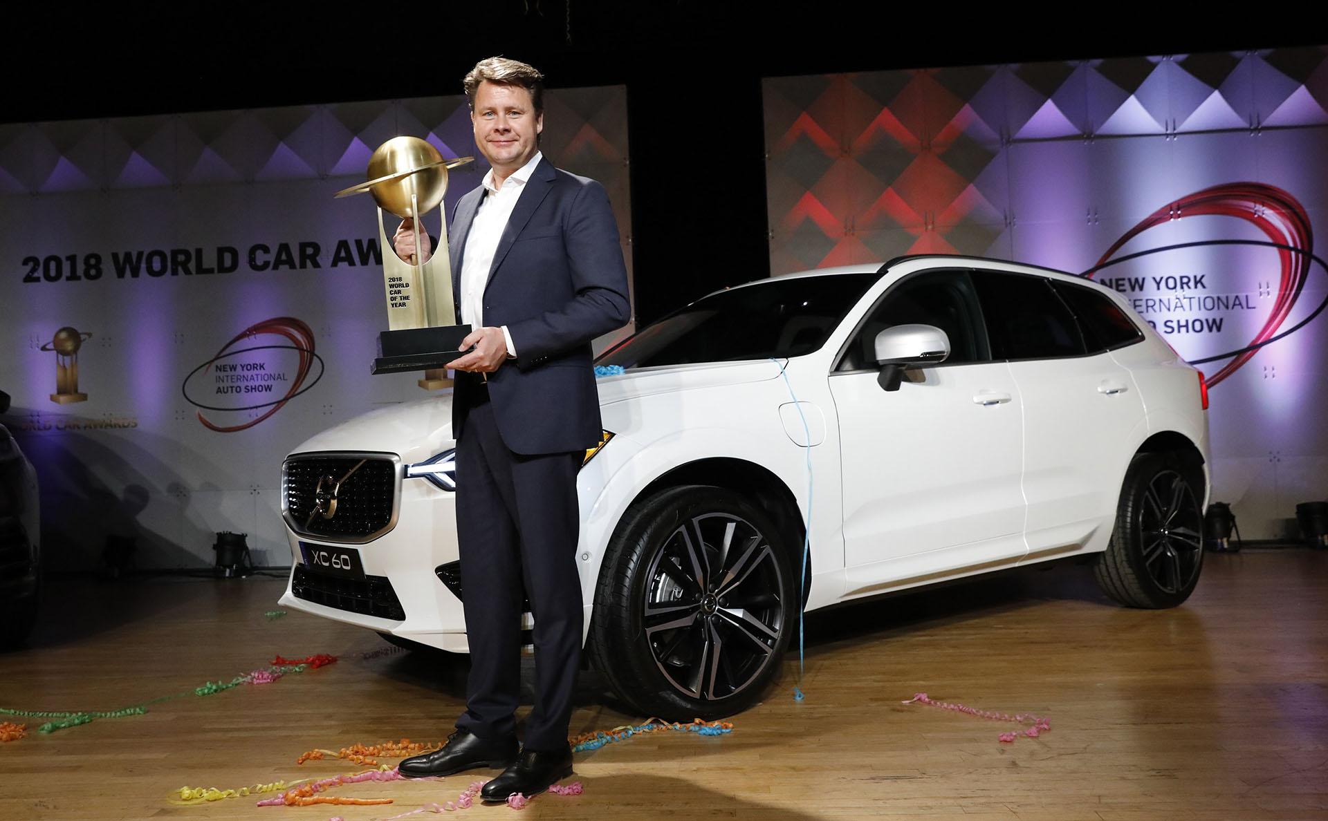 Anders Gustafsson, presidente y CEO de Volvo Car USA, recibió la distinción al Auto del Año (World Car of The Year, WCOTY) que premió al XC60. Meses atrás había sido galardonado su hermano menor, el Volvo XC40, un SUV de tamaño chico, como mejor Auto del Año en Europa 2018 en la previa del Salón del Automóvil de Ginebra