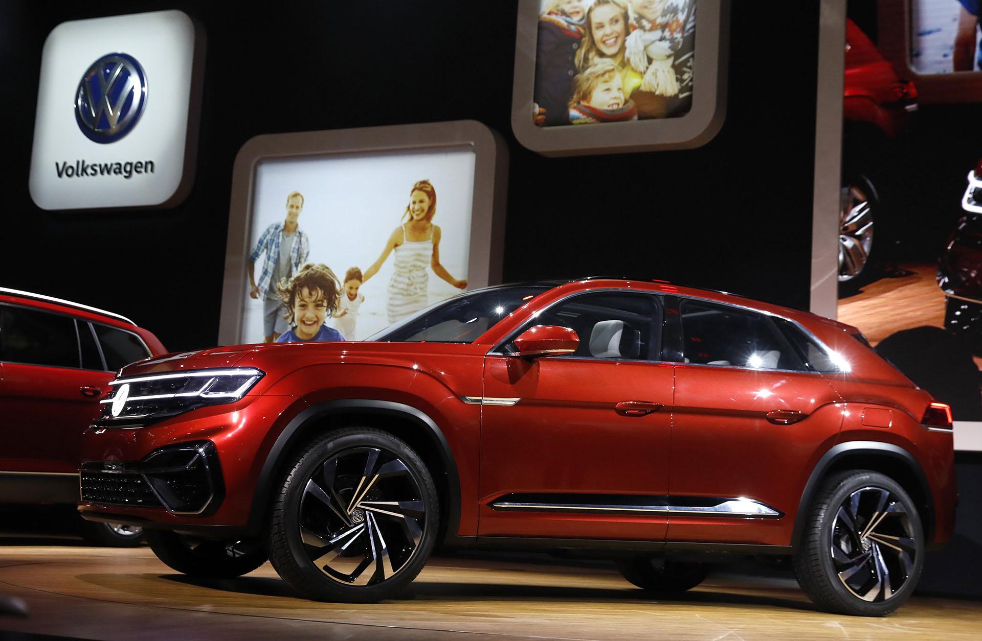 Volkswagen desplegó un imponente stand en la ciudad norteamericana. Develó el prototipo SUV Atlas Cross Sport, una especie de Atlas coupé de cinco plazas. Se trata de un modelo compacto y con estética deportiva construido sobre la prolífica plataforma MQB