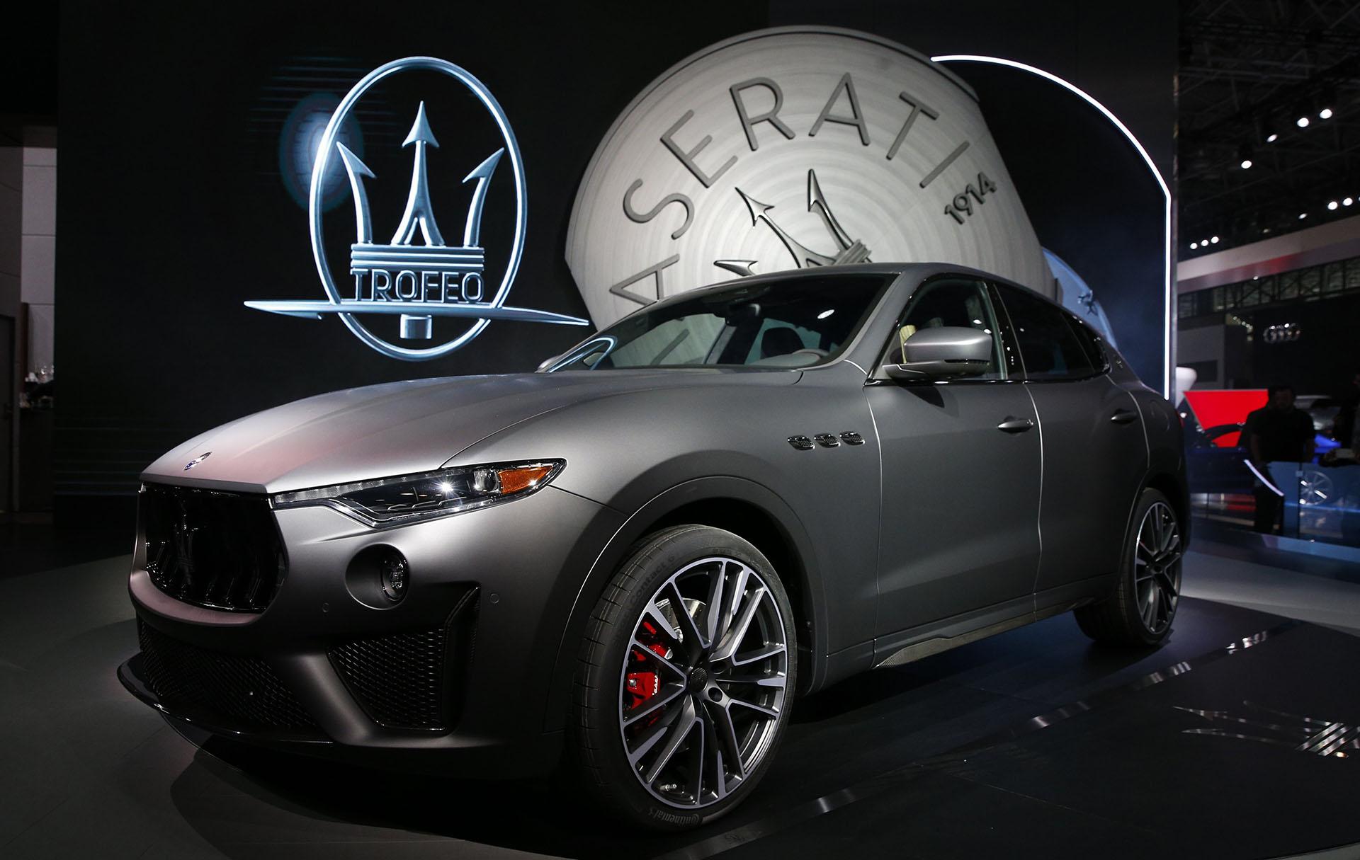 Maserati Levante Trofeo: uno de los lanzamientos más extraordinarios del Autoshow de NY. Es el modelo más potente de toda la gama SUV del tridente italiano. Eleva su potencia, su rendimiento y sus prestaciones para rivalizar con competidores del calibre del Porsche Cayenne y el Range Rover Sport