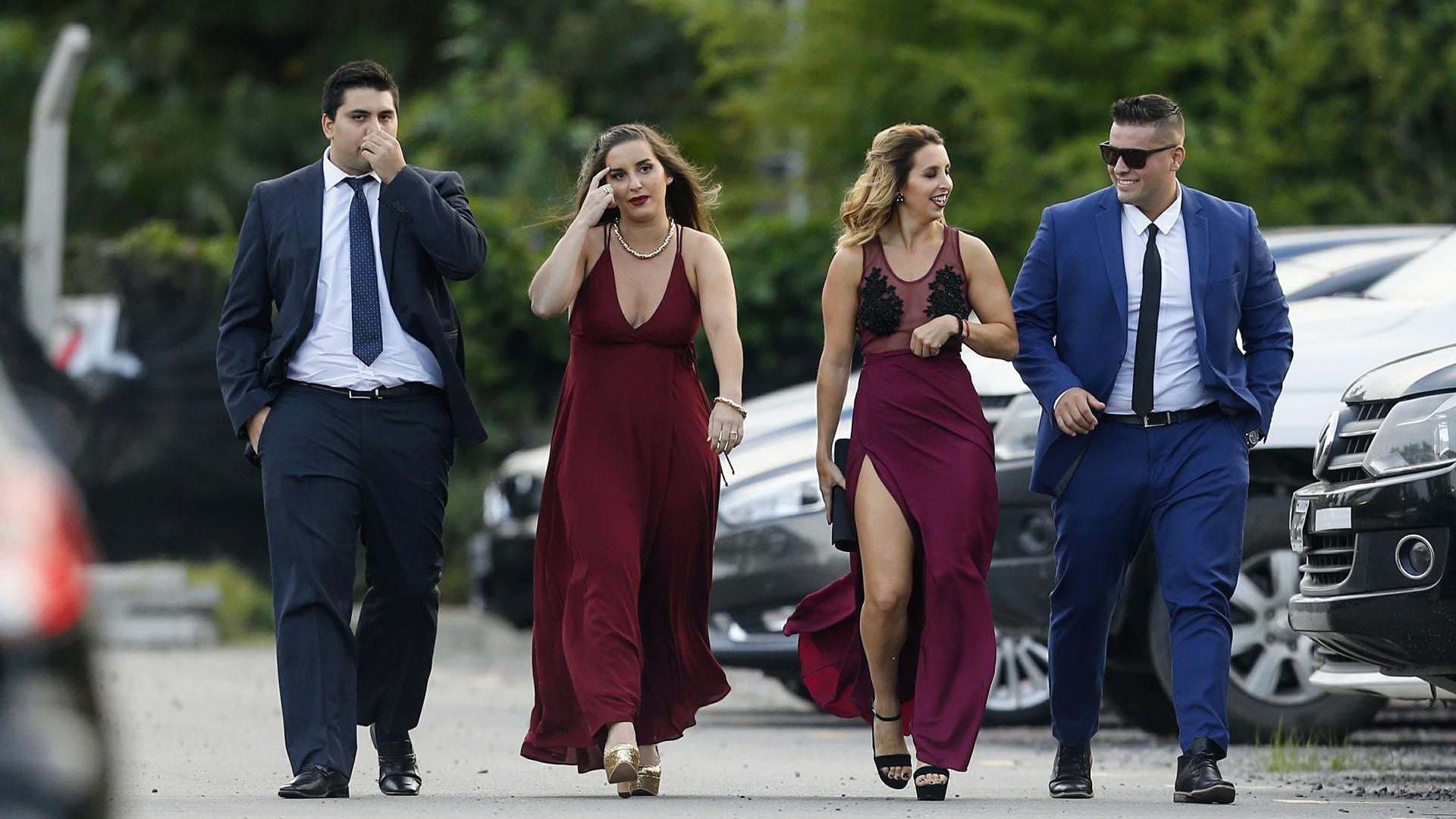Los amigos y familiares se confundieron con las figuras del espectáculo (Nicolás Aboaf)