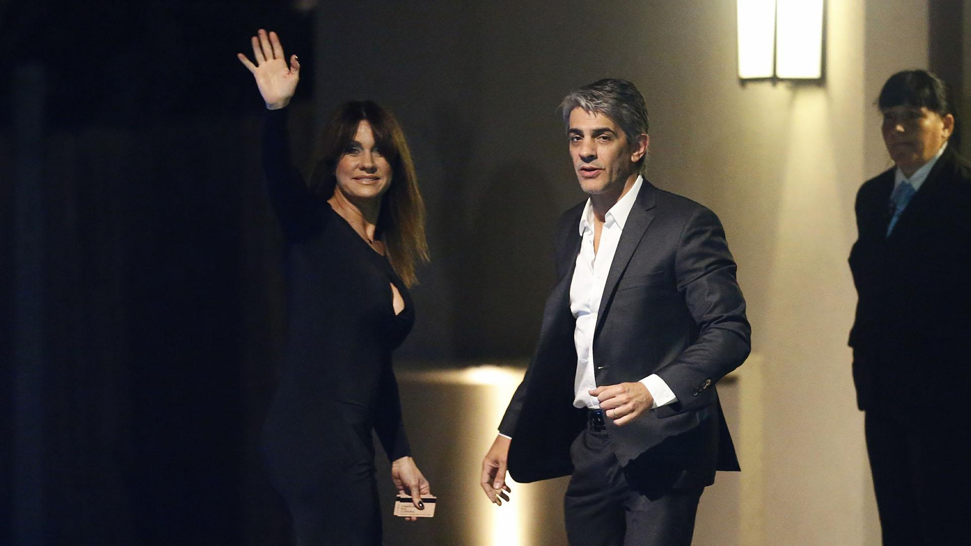 Nancy y Pablo fueron los últimos famosos en llegar y se acercaron a posar para los fotógrafos (Nicolás Aboaf)