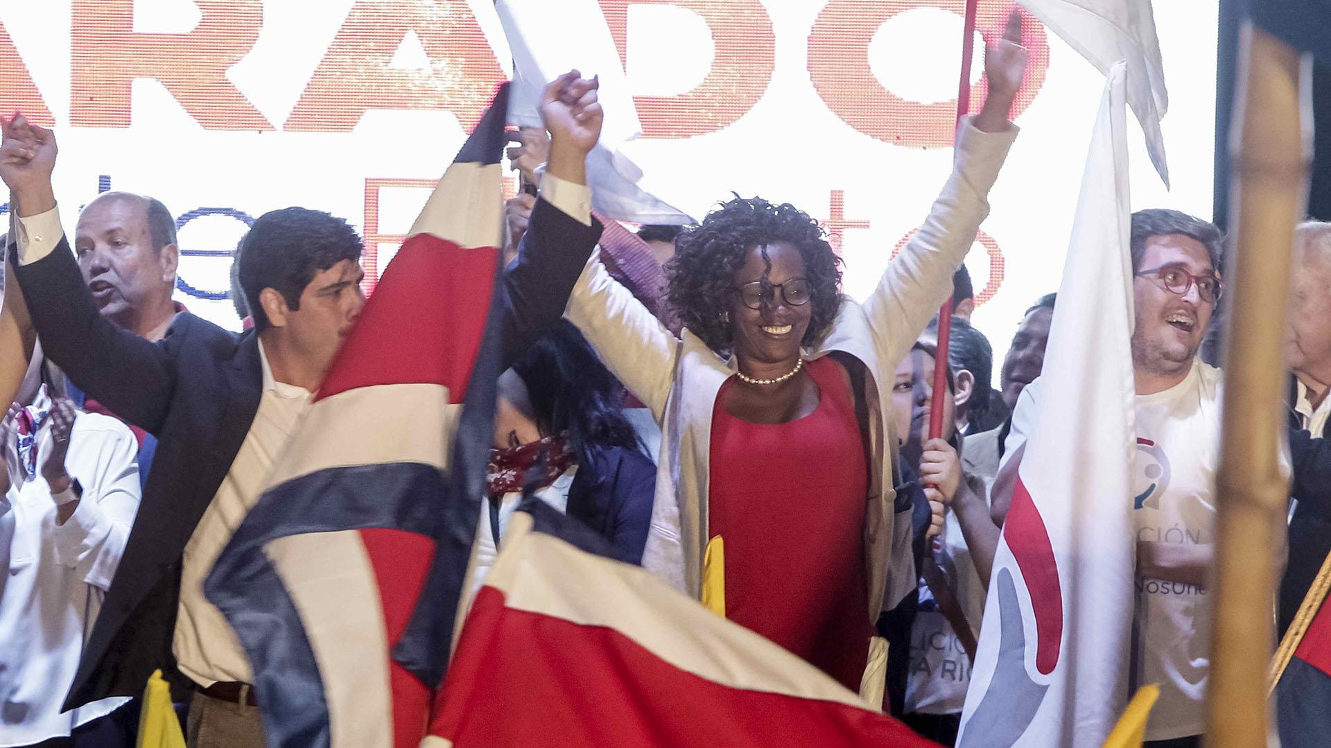 Campbell fue una figura central en la campaña de Alvarado (EFE/Alexander Otárola)