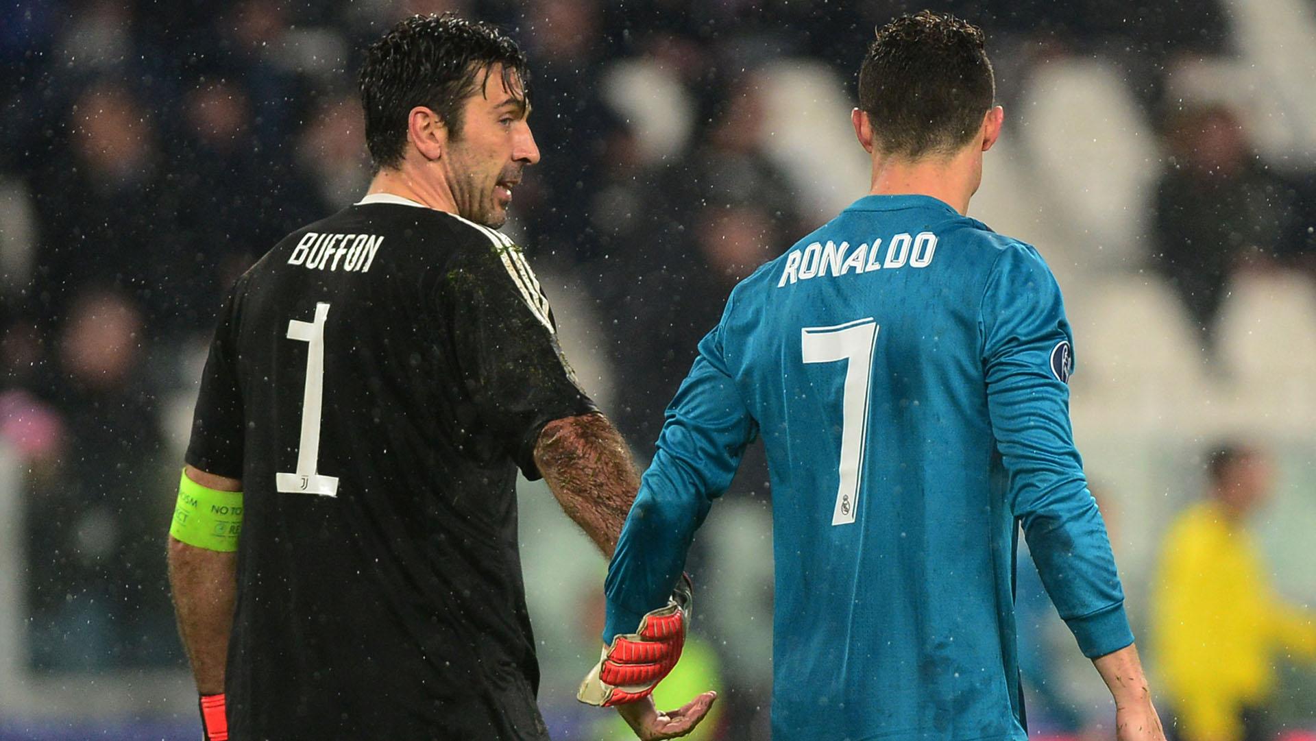 Cristiano Ronaldo y Gianluigi Buffon se podrían unir en Real Madrid (REUTERS)