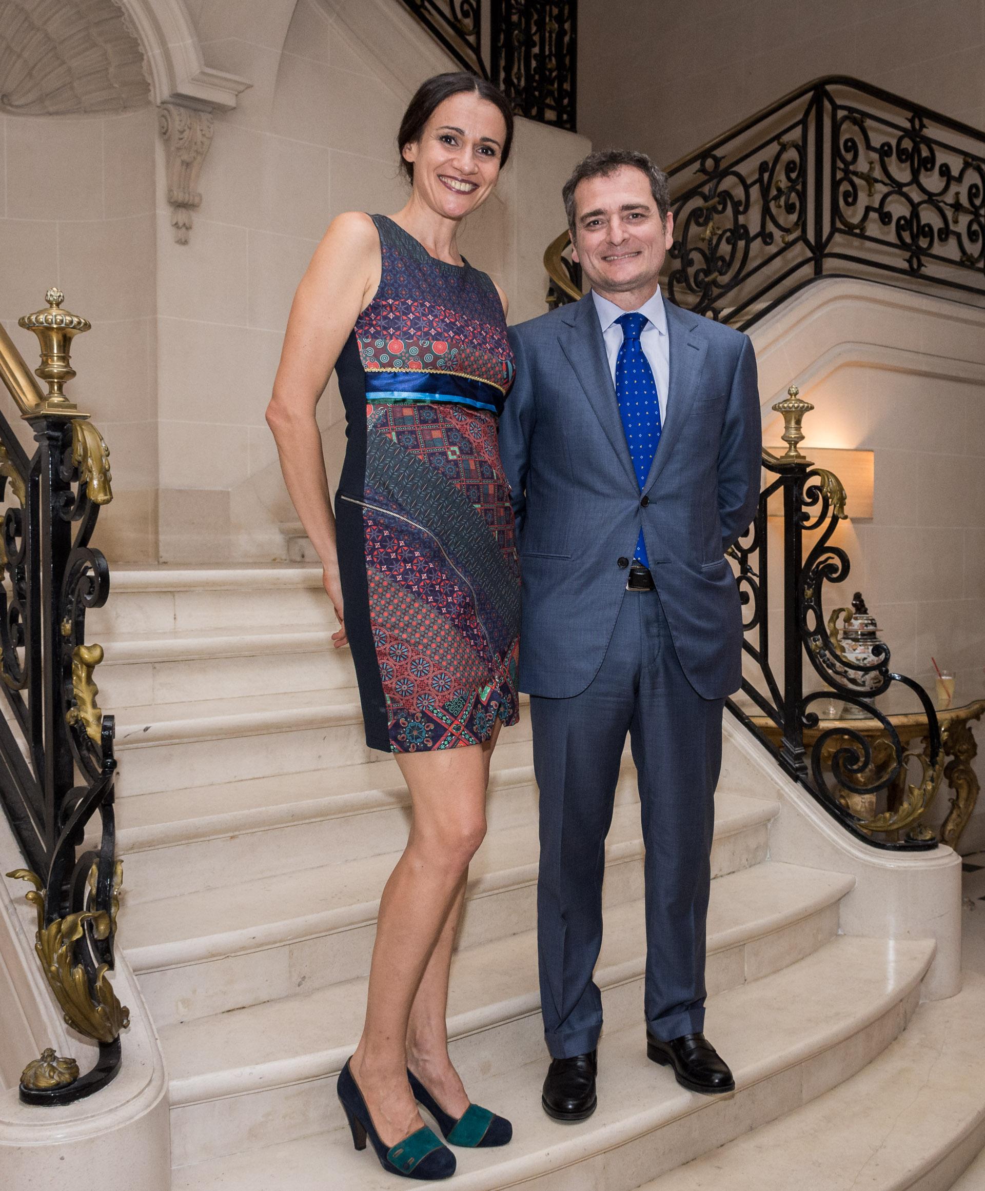 Elisabetta Riva, directora general del Teatro Coliseo junto al cónsul italiano en Argentina, Riccardo Smimmo