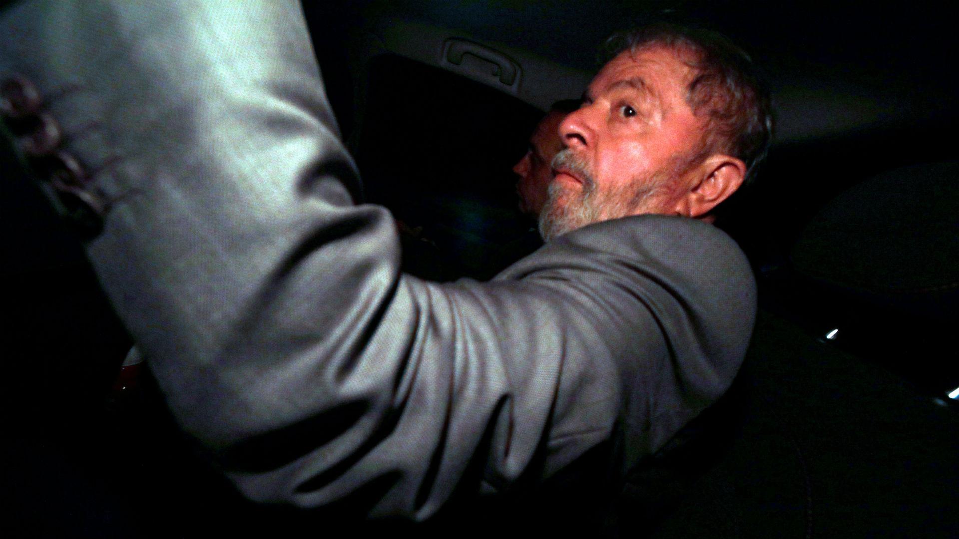 Lula al llegar a su casa antes del veredicto de los jueces (Reuters)