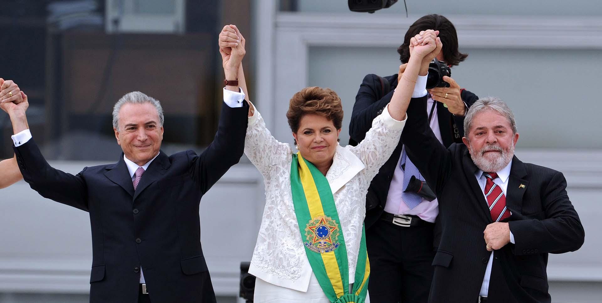 Dilma Rousseff y su vicepresidente, Michel Temer, sucedían a Lula da Silva y José Alencar en la presidencia (AFP Photo/ Evaristo SA)