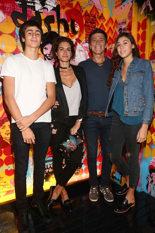 Florencia Raggi y Nicolás Repetto con sus hijos Renata y Francisco