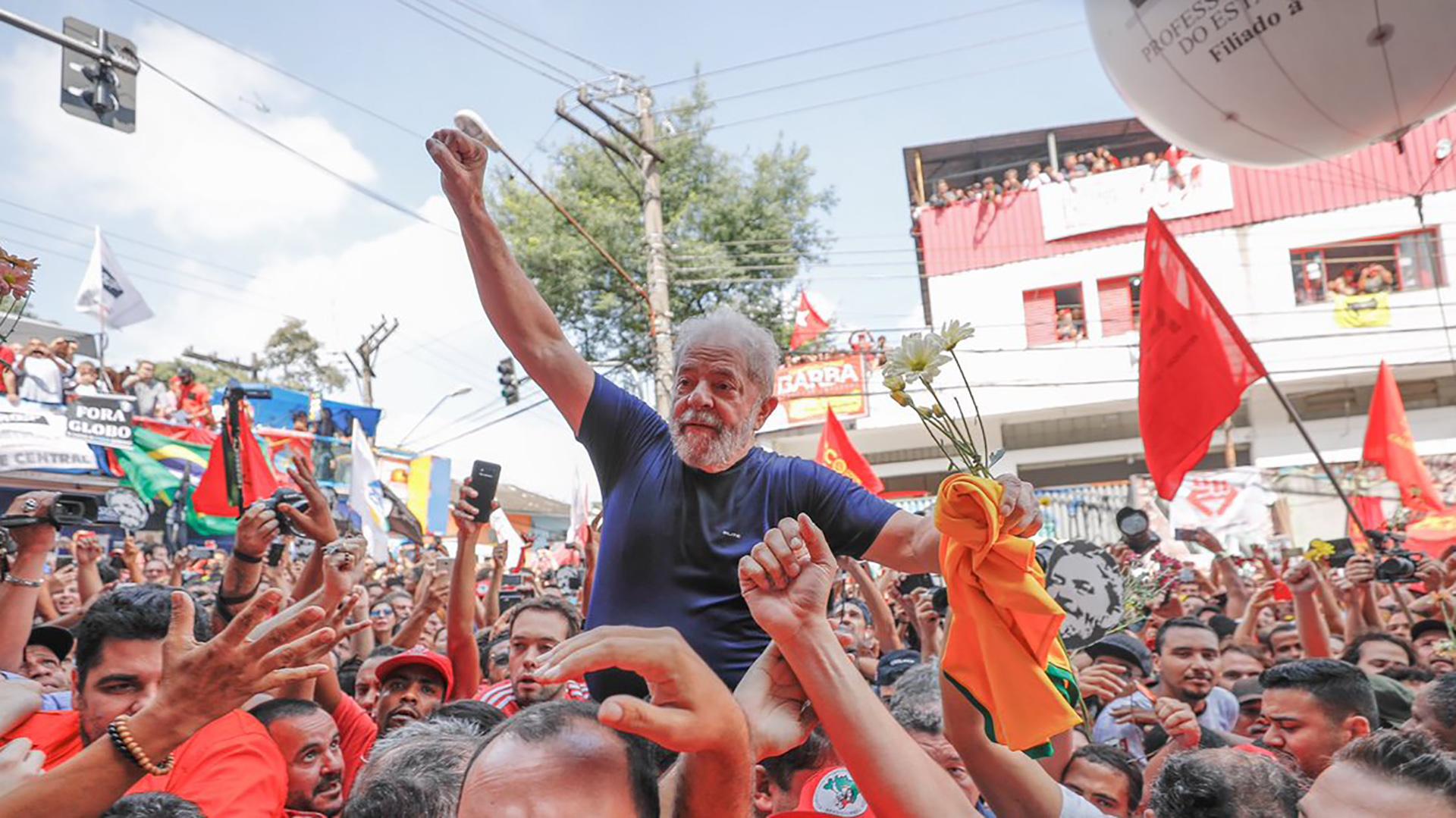 """7 de abril de 2018. Lula habló ante miles de seguidores que se congregaron frente al sindicato metalúrgico en Sao Bernardo do Campo en su último discurso antes de ser encarceladopor corrupción. """"Jamás podrán apresar nuestros sueños"""", dijo (Ricardo Stuckert)"""