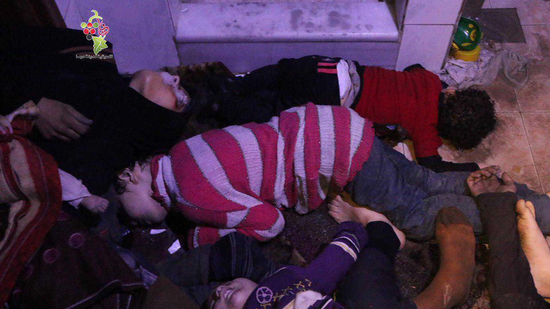 Una brutal escena del ataque con armas químicas contra Duma