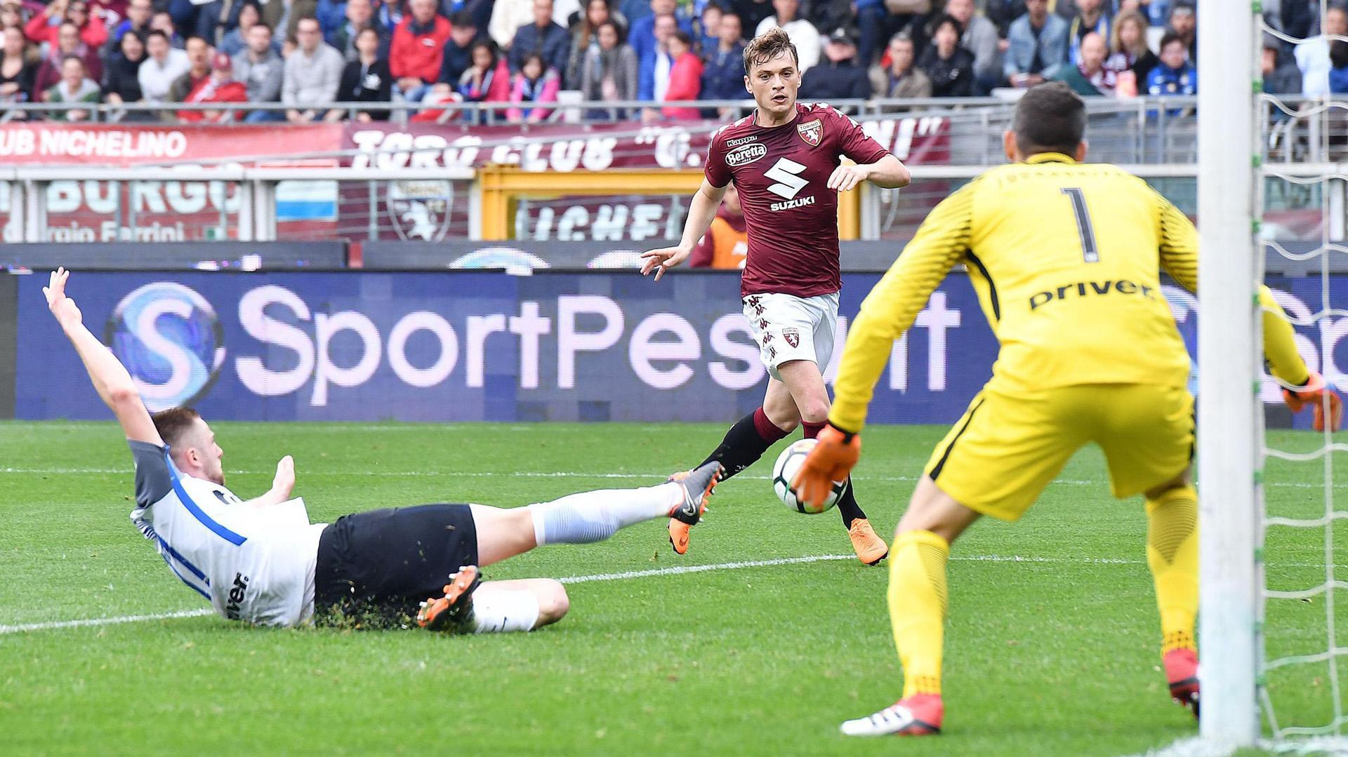 Adem Ljajic (R) marcó el gol del triunfo de Torino vs Inter en el clásico de la fecha 31° de la Liga de Italia ( EFE)