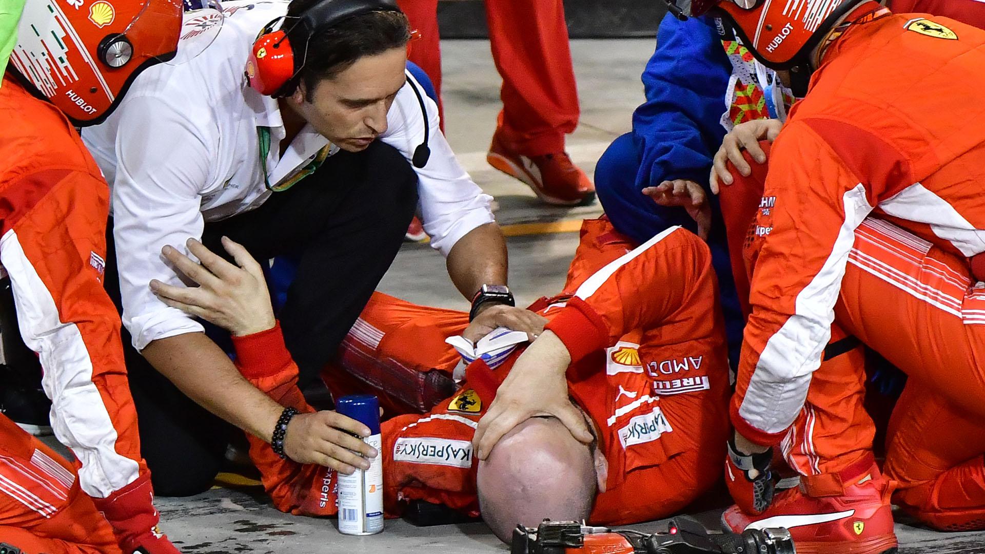 Kimi Raikkonnen atropelló a un mecánico en el box de Ferrari