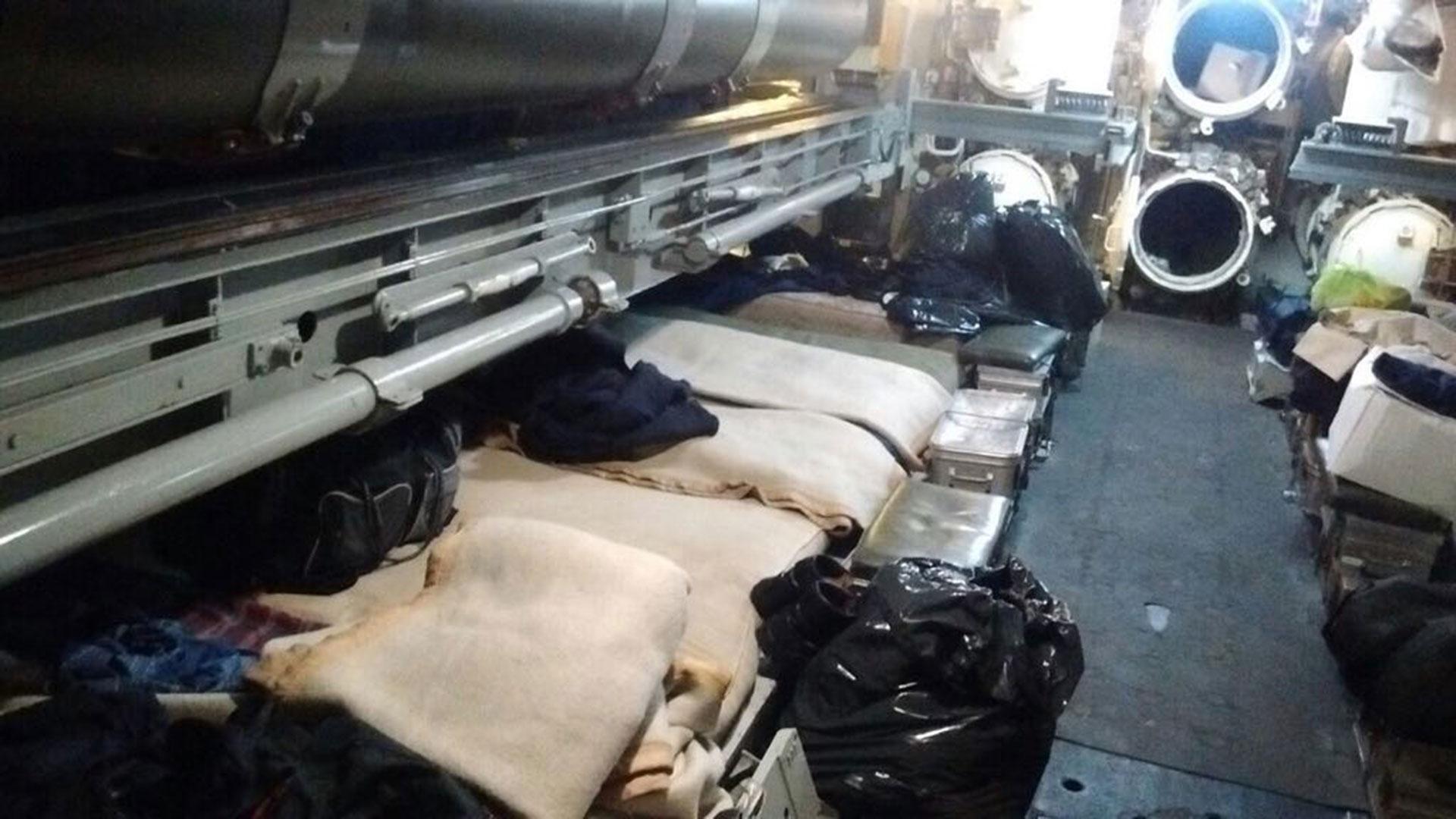 El lugar dónde dormía en el ARA San Juan el agente de Inteligencia Enrique Damián Castillo, según la foto que él mismo le envió a su mujer antes de la desaparición del submarino