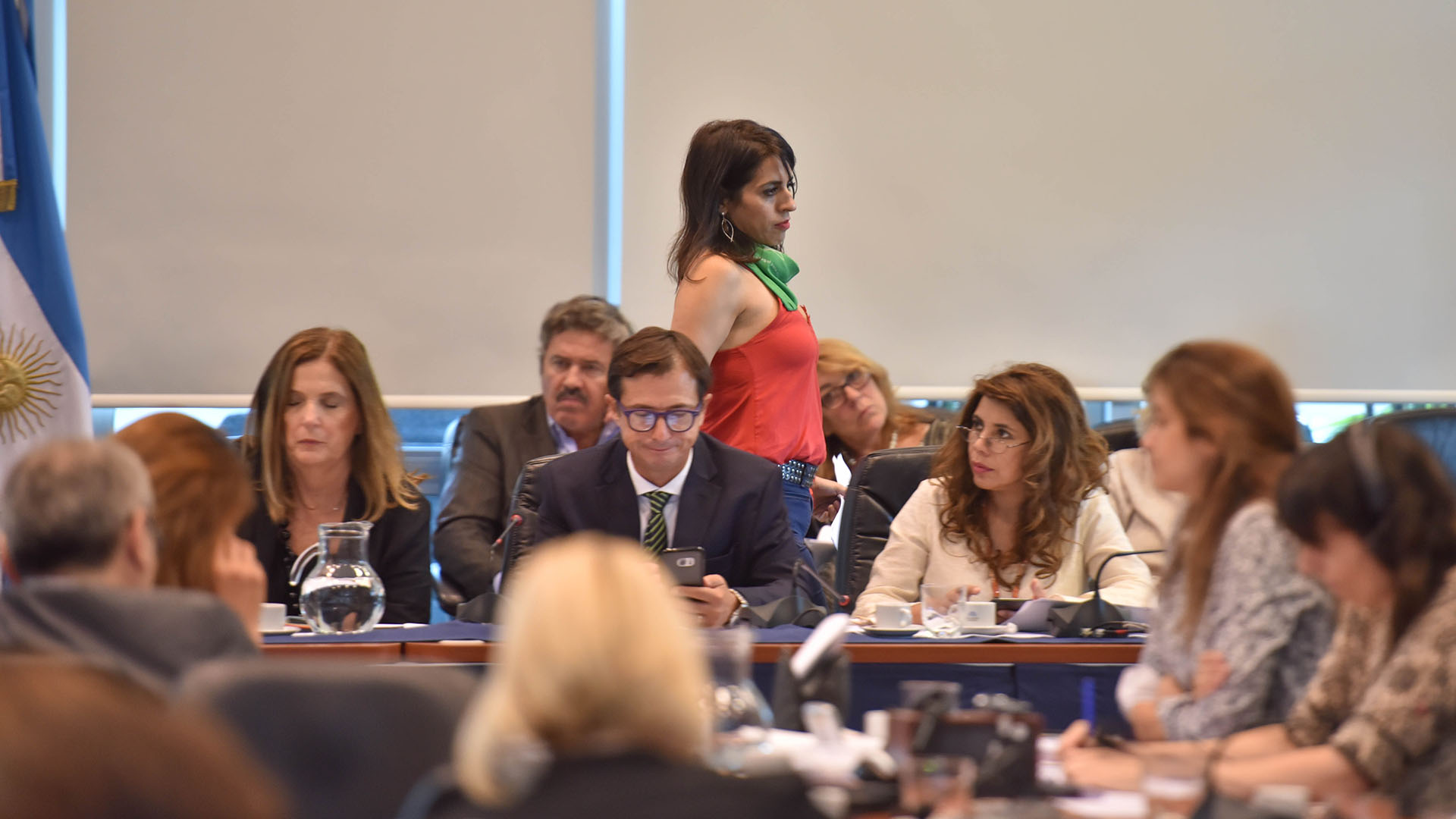 Lipovetsky preside la sesión junto a Carmen Polledo