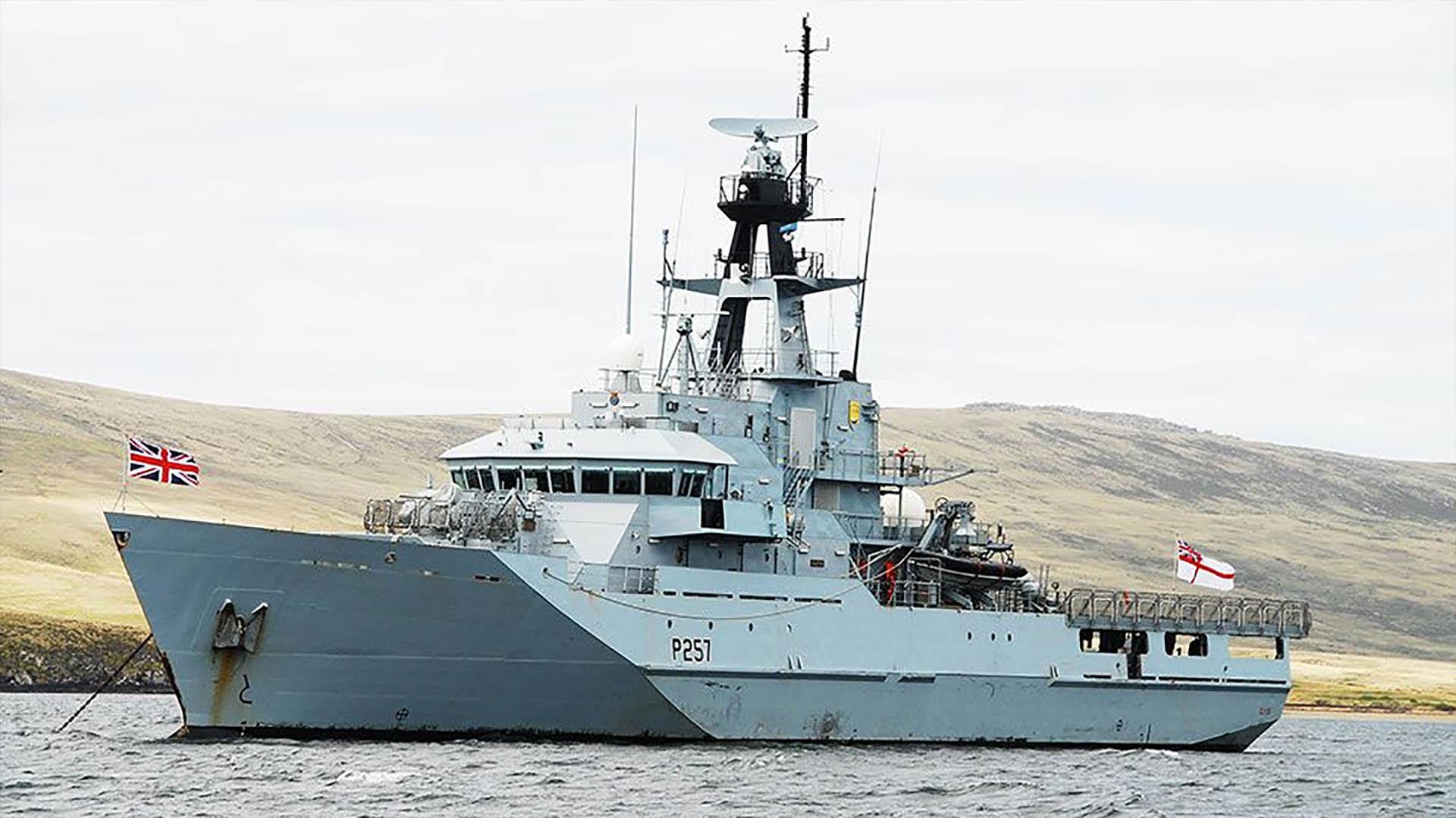 El HMS Clyde, uno de los buques de guerra británicos espiados por la Armada Argentina