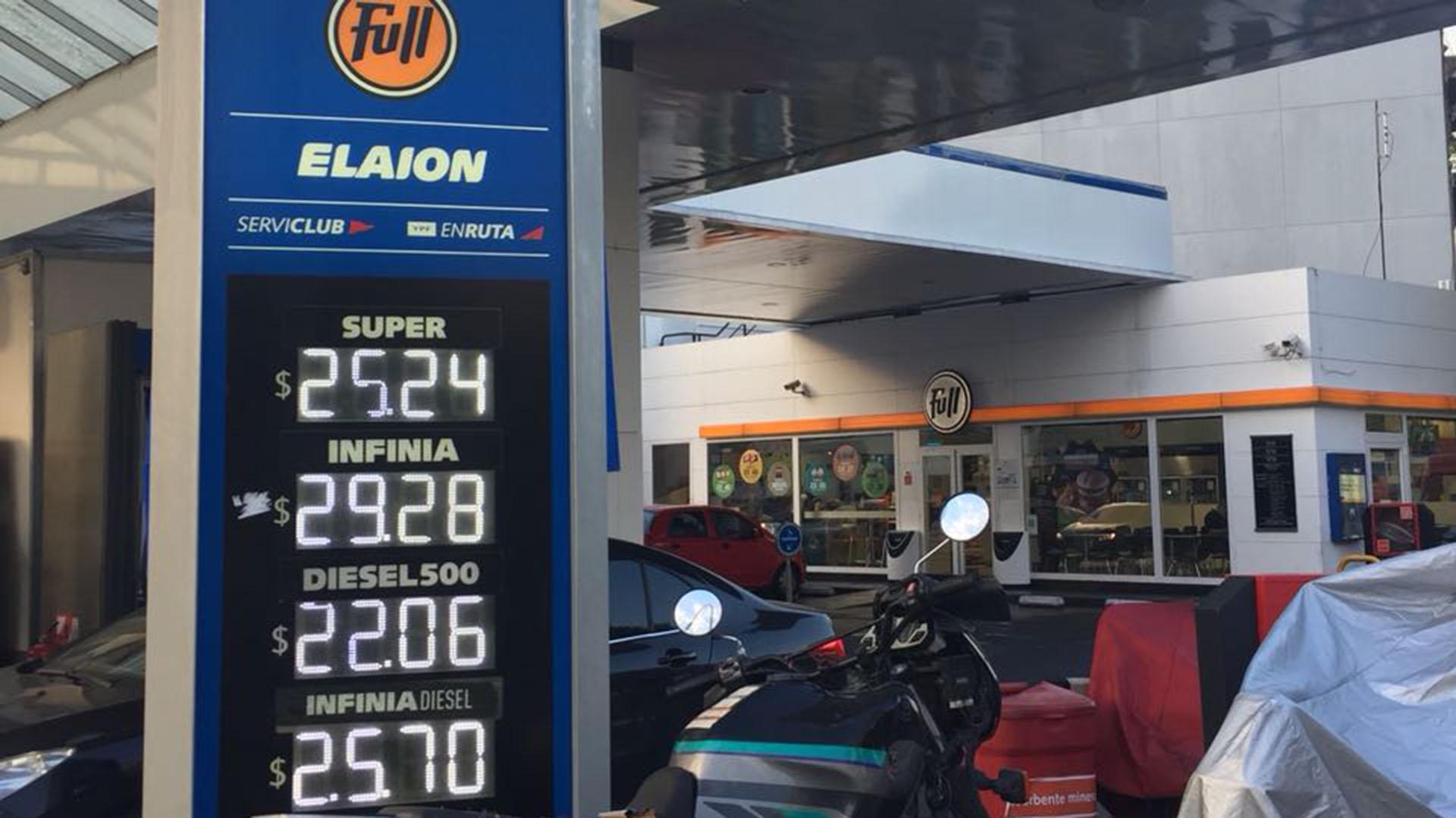 La petrolera dio a conocer nuevos aumentos en nafta y diésel
