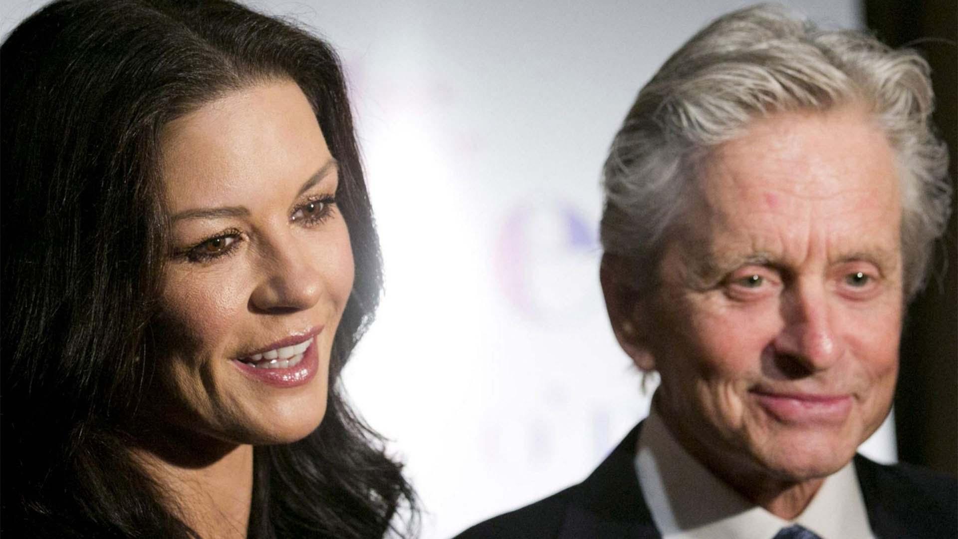 El fue diagnosticado con cáncer de garganta. Años más tarde ella sufrió de bipolaridad. (AP Photo/Charles Sykes)