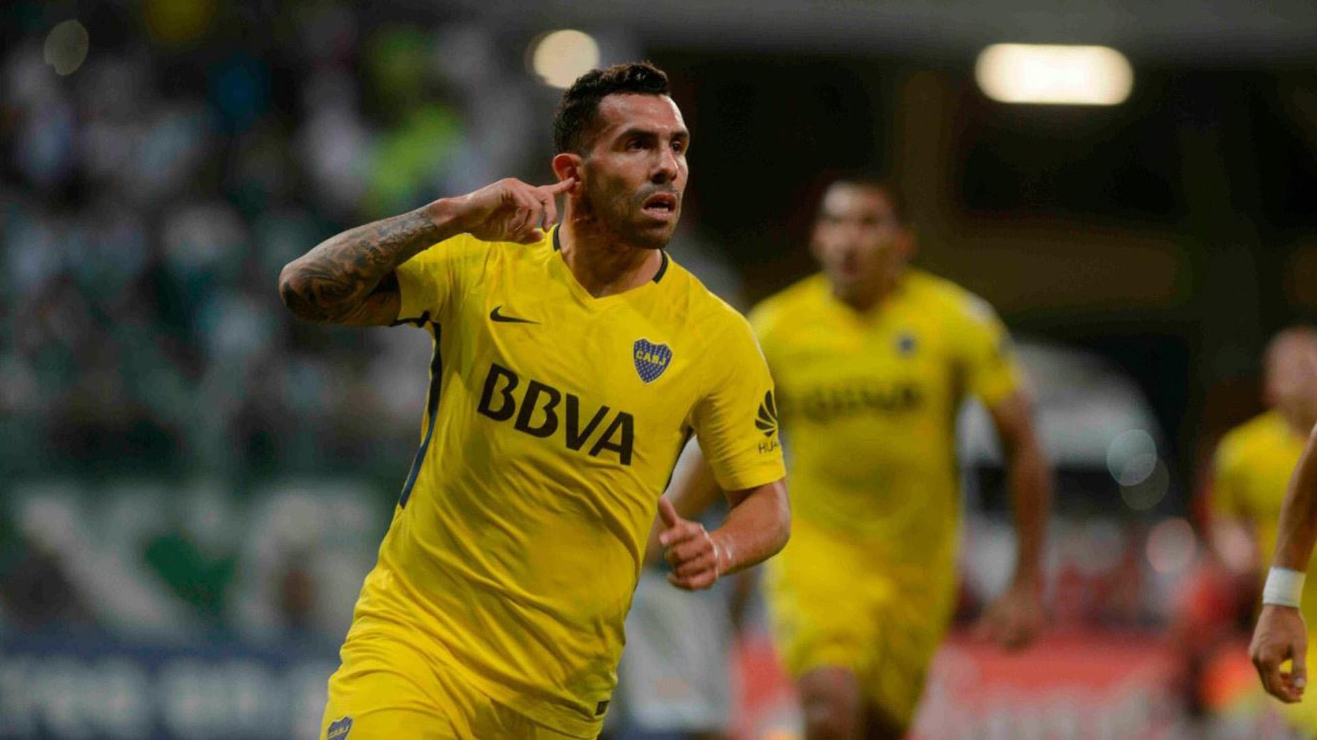 Carlos Tevez desafió a los hinchas del Palmeiras en su festejo del gol de Boca en partido de Copa Libertadores de América