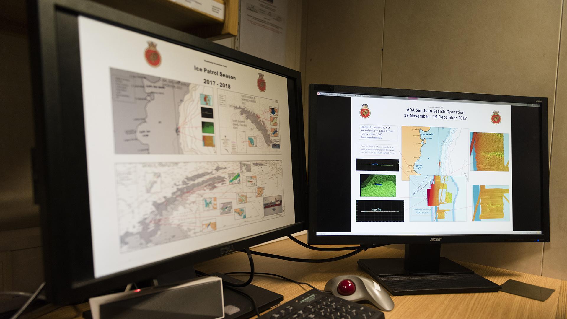 En las pantallas, algunos de los resultados del barrido realizado por el HMS Protector del lecho marino, en la búsqueda del ARA San Juan