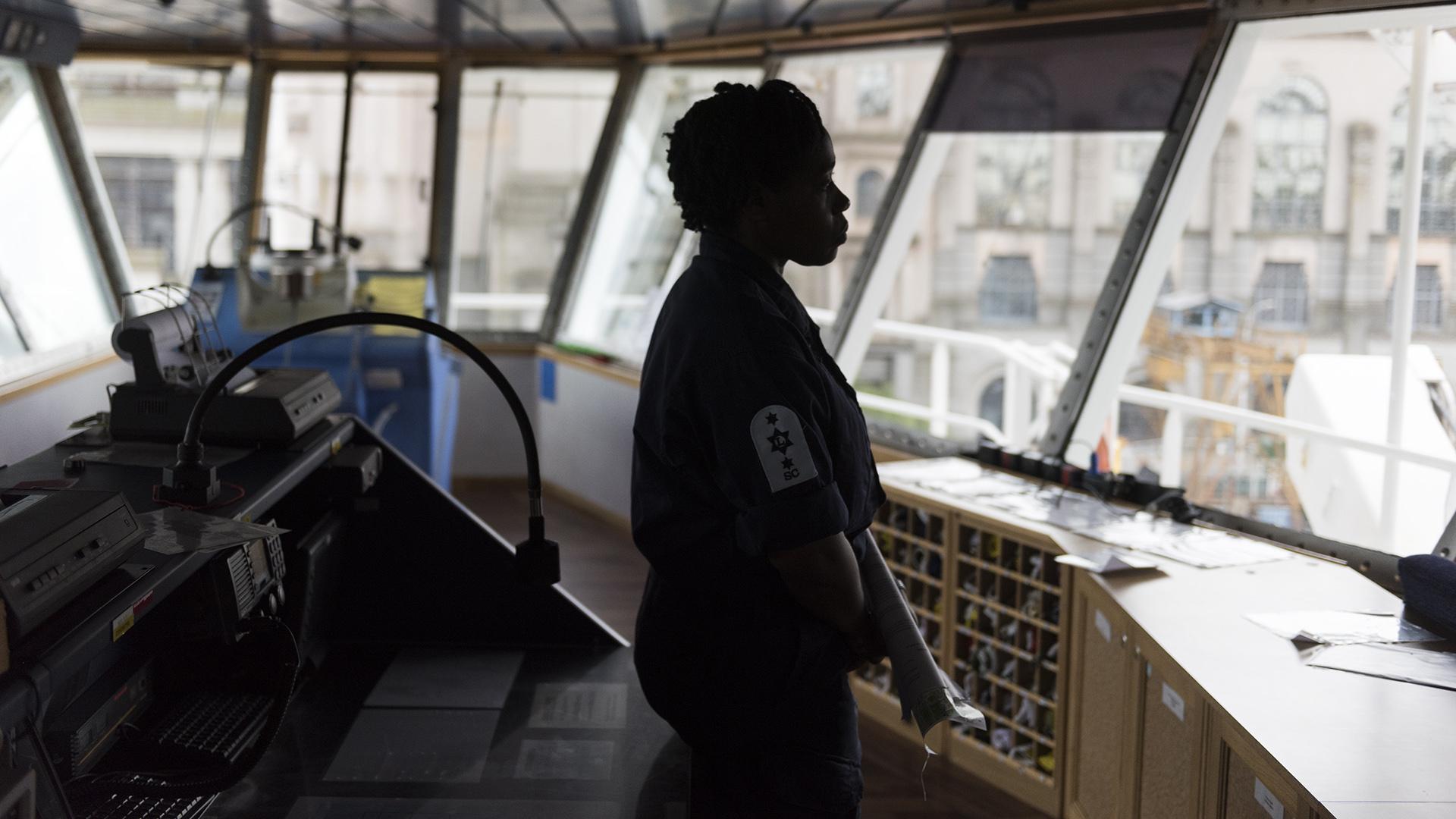 El HMS Protector tiene una capacidad para albergar hasta 100personas