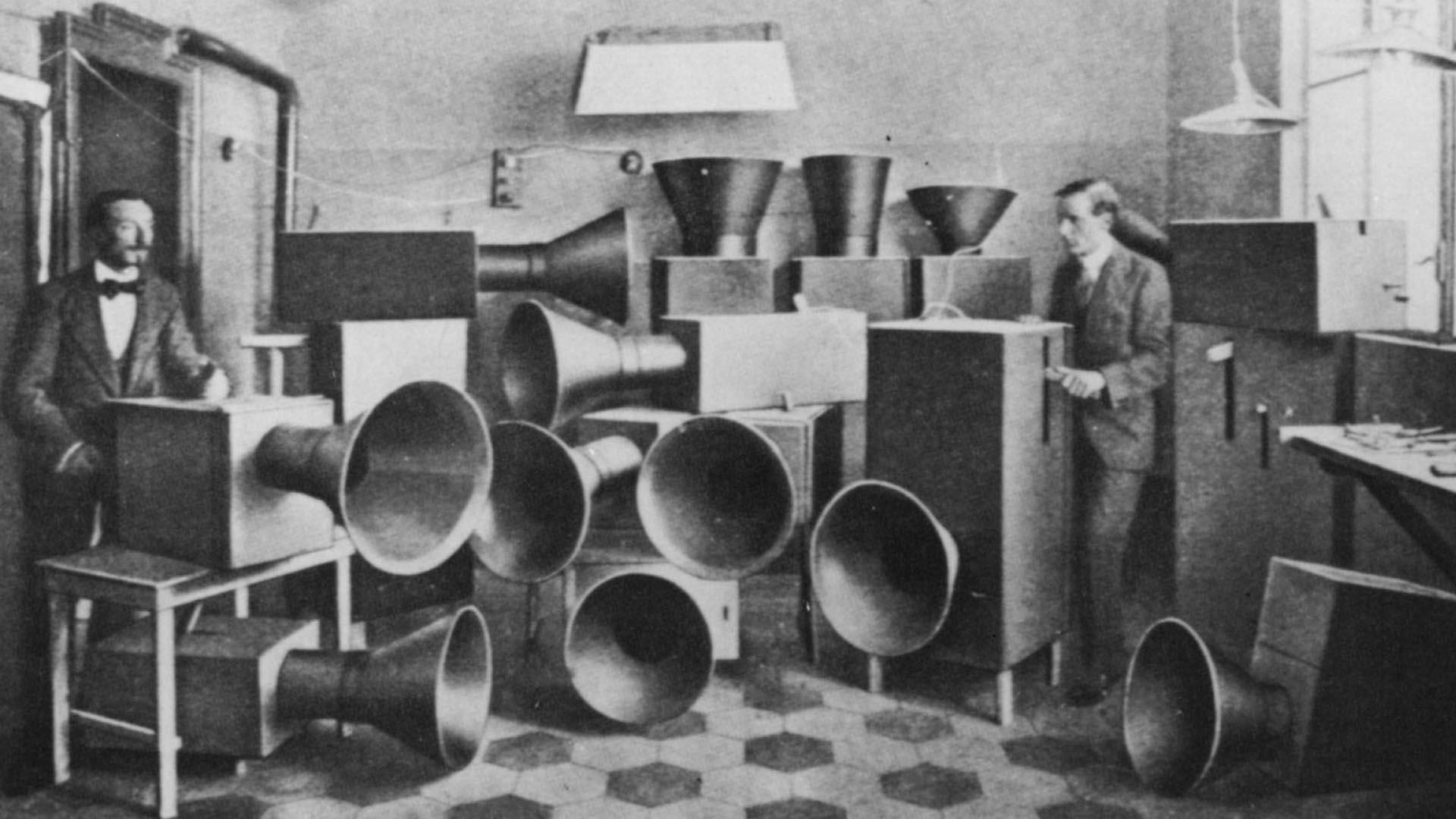 """Luigi Russolo, componiendo """"ruidos"""""""