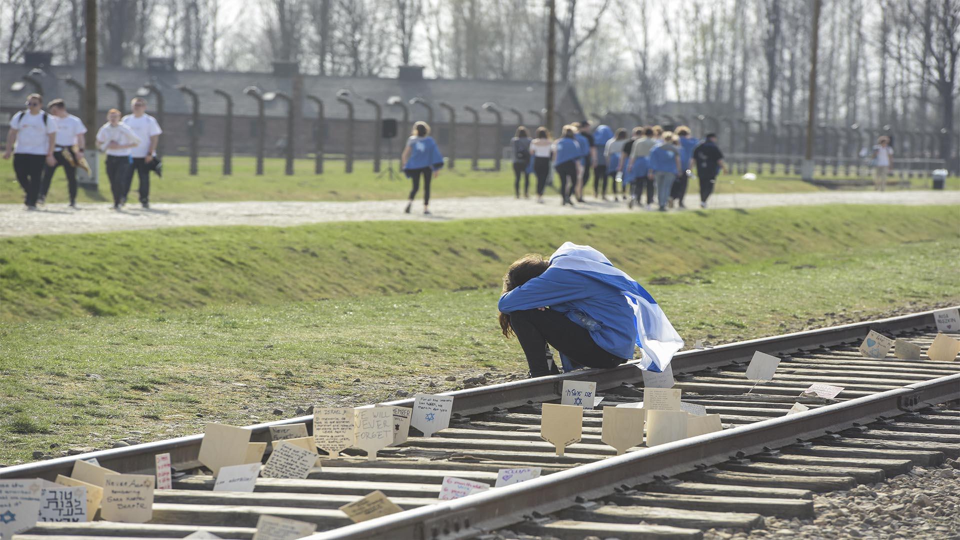 Hay un antes y un después al recorrer el más grande campo de extermino Nazi