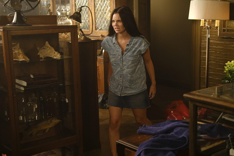 La actriz Eline Powell consiguió su certificación de buceo cuando la serie la luz verde para iniciar el proceso de producción