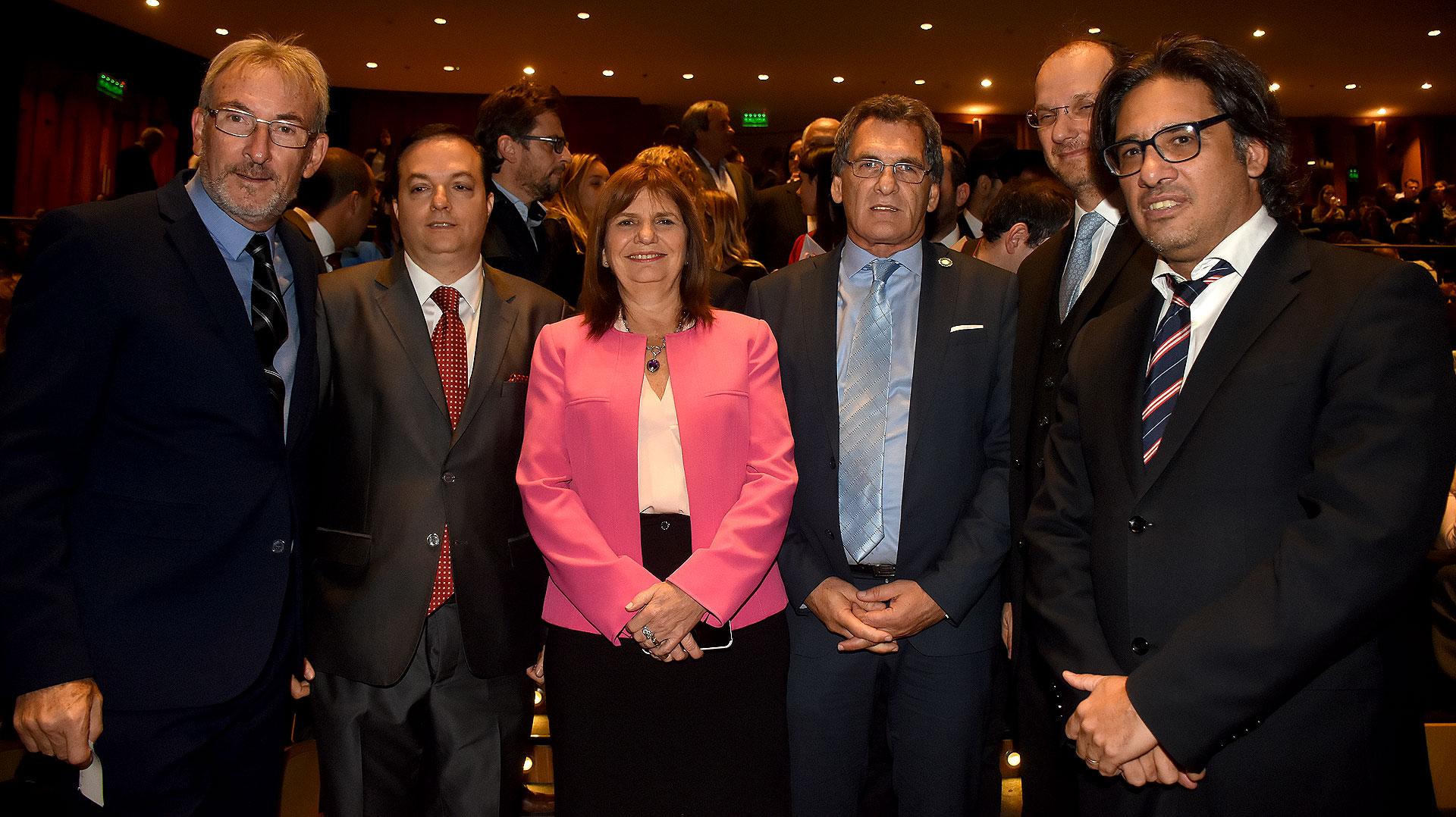 Guillermo Yanco, Ariel Cohen Sabban, Patricia Bullrich, Claudio Avruj (secretario de Derechos Humanos y Pluralismo Cultural) y Germán Garavano