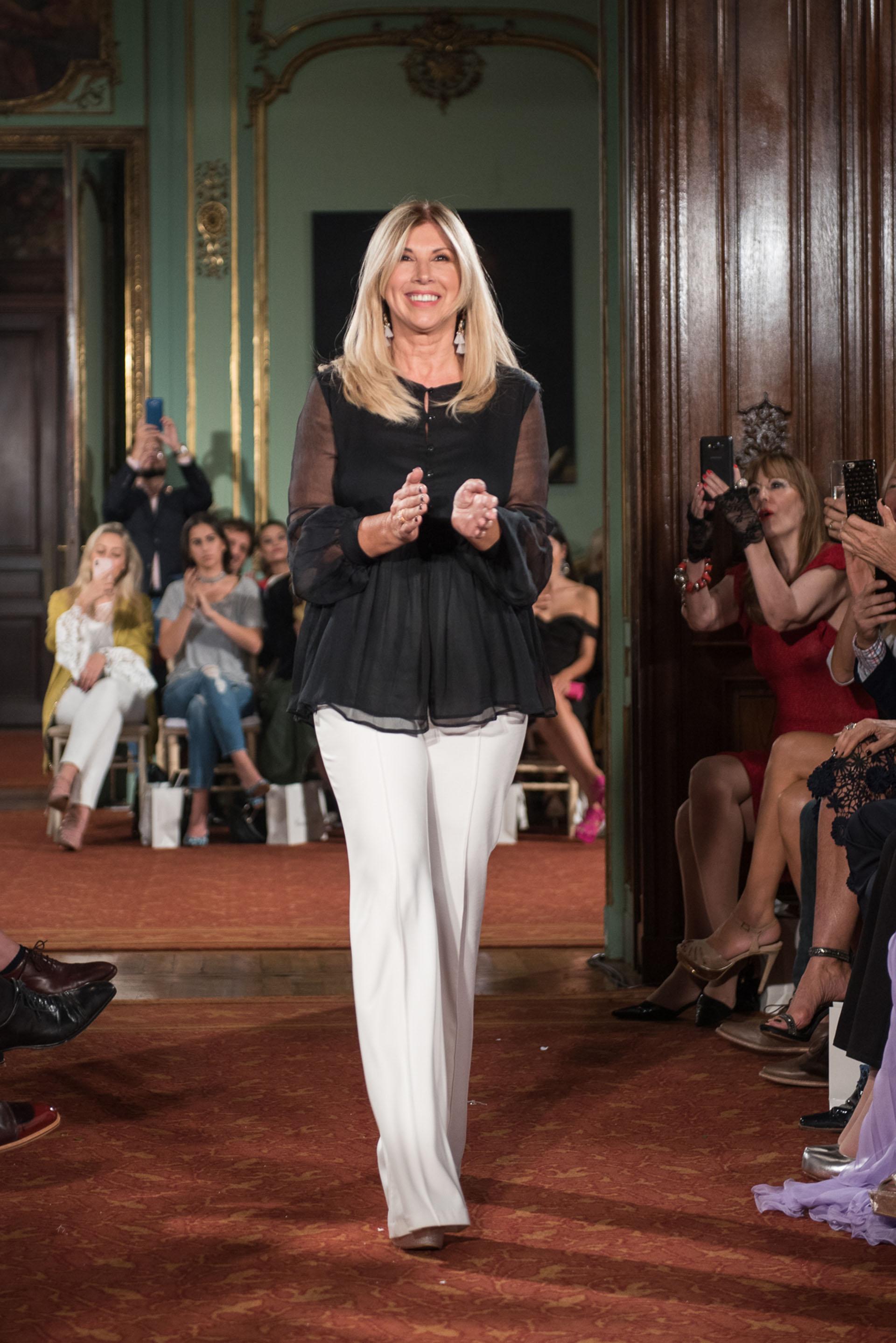 Claudia Arce fue ovacionada tras presentar su nueva colección
