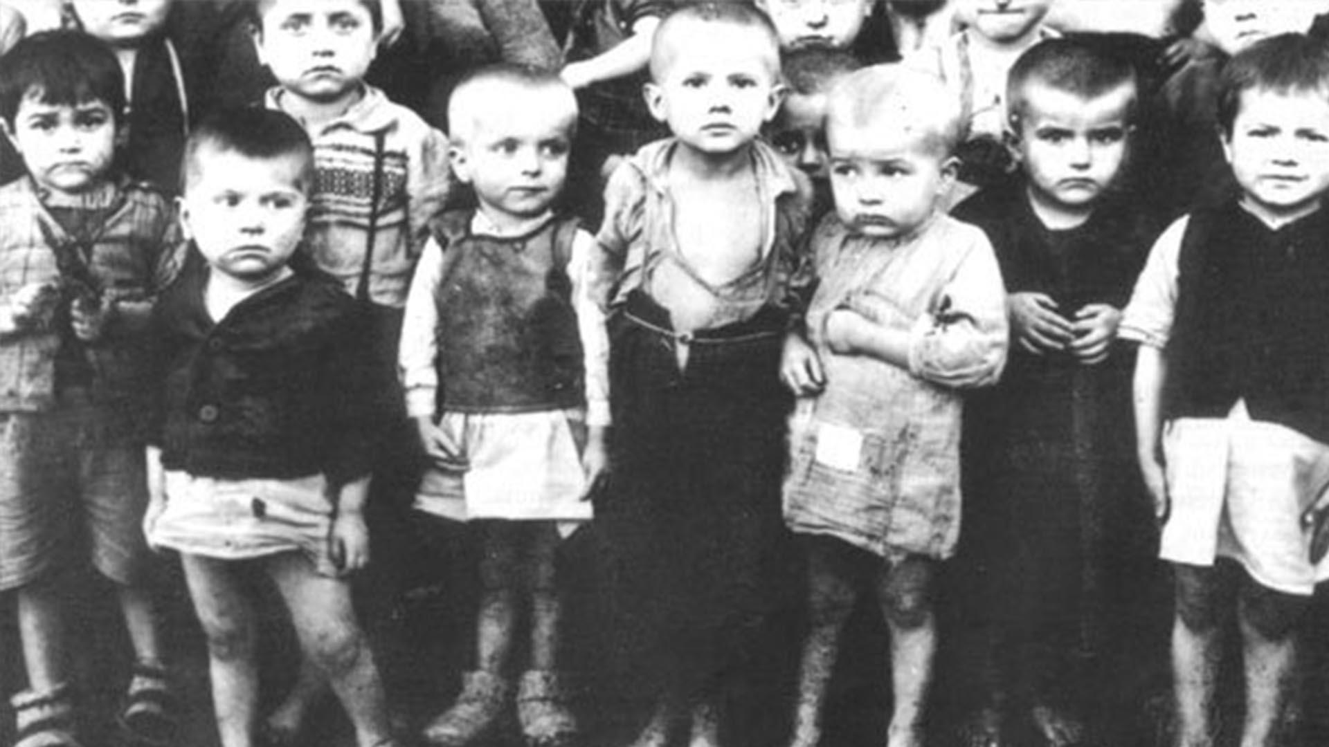 Los chicos, encerrados, caminaban entre sus propios excrementos, con hambre, los llantos y los gritos eran desgarradores. La decisión no tardó en tomarse: serían masacrados (Foto: Archivo Walter Von Reichenau)