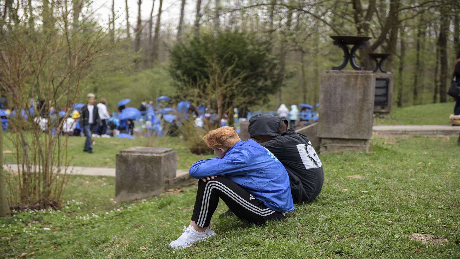 El grupo argentino visitó las fosas de Tarnow y recordaron lo sucedido en ese lugar