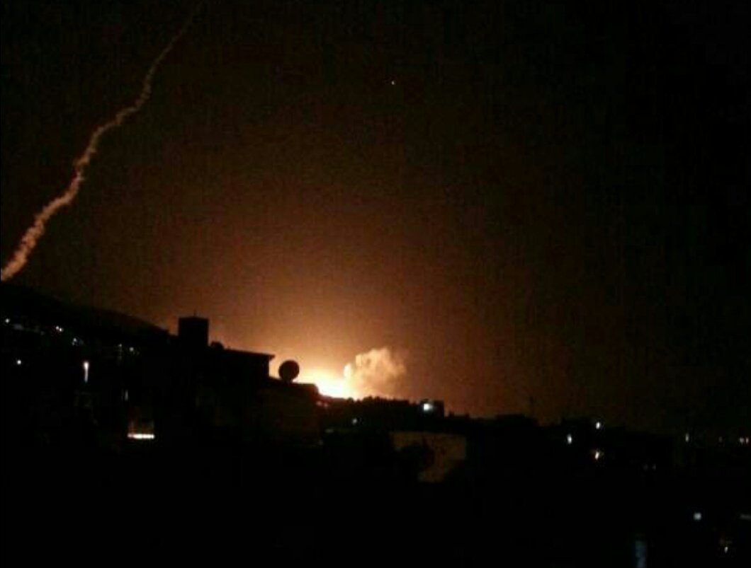 El estallido de un misil sobre Damasco