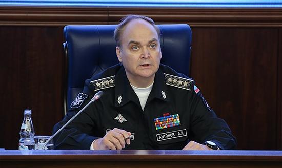 El embajador ruso en Washington, Anatoly Antanov, emitió un comunicado amenazando a los Estados Unidos, al Reino Unido y a Francia por sus bombardeos contra el régimen sirio