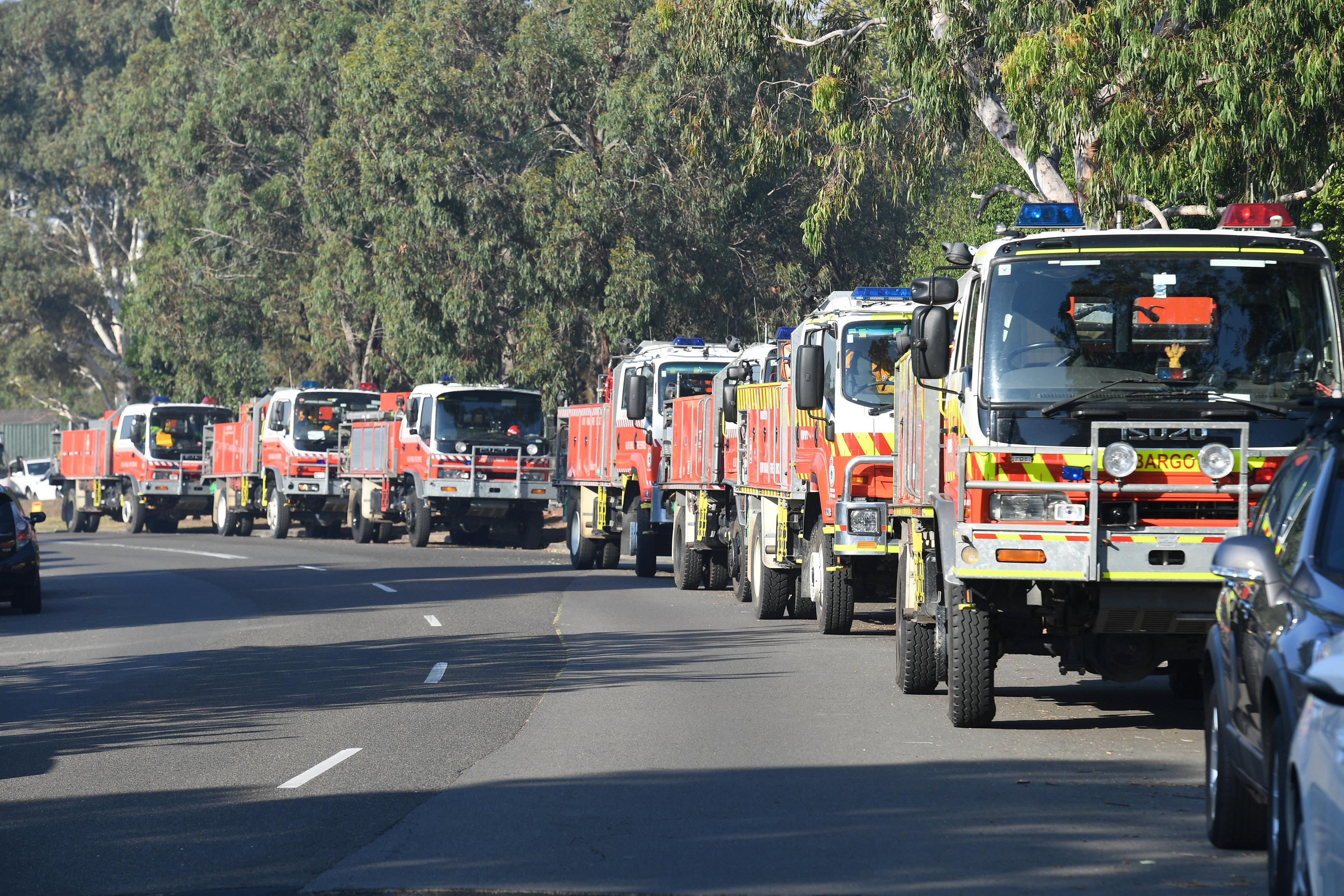 Camiones de los bomberos en Sídney, Australia(AAP/Brendan Esposito/vía Reuters)