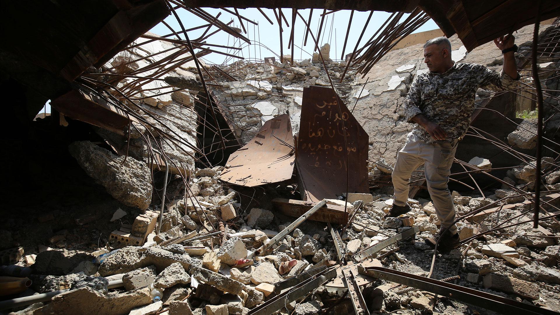 Las dudas por el destino de los restos del dictador tras la destrucción del mausoleo persisten en todo Irak (AFP)