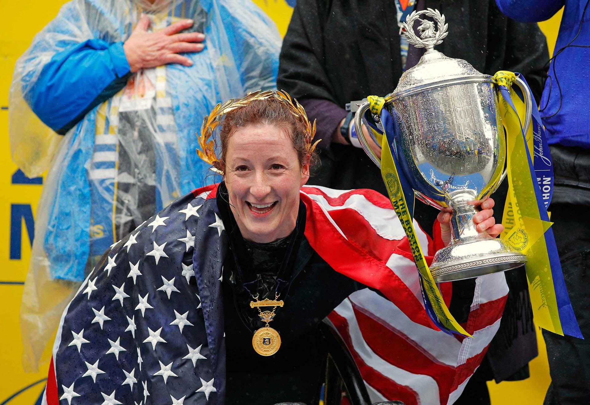 La estadounidense Tatyana McFadden también cumplió con los pronósticos y venció por quinta vez consecutiva en la prueba de mujeres con un tiempo de 2h4:41