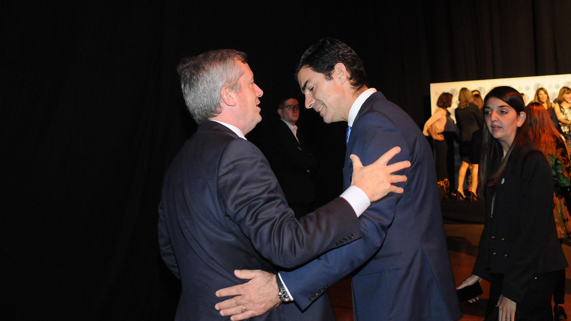 El saludo entre Emilio Monzó y el gobernador de Salta, Juan Manuel Urtubey